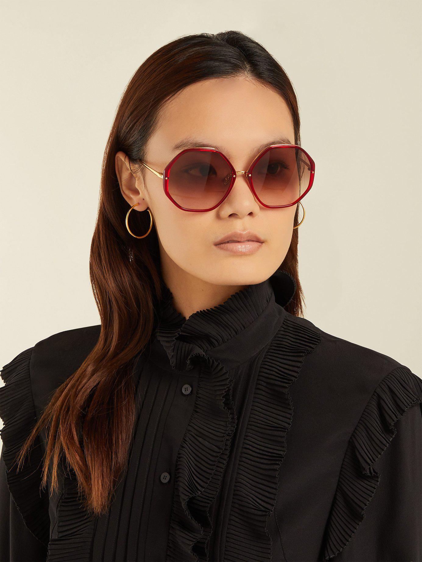 067089065a0d Lyst - Linda Farrow Oversized Hexagonal Frame Sunglasses in Red
