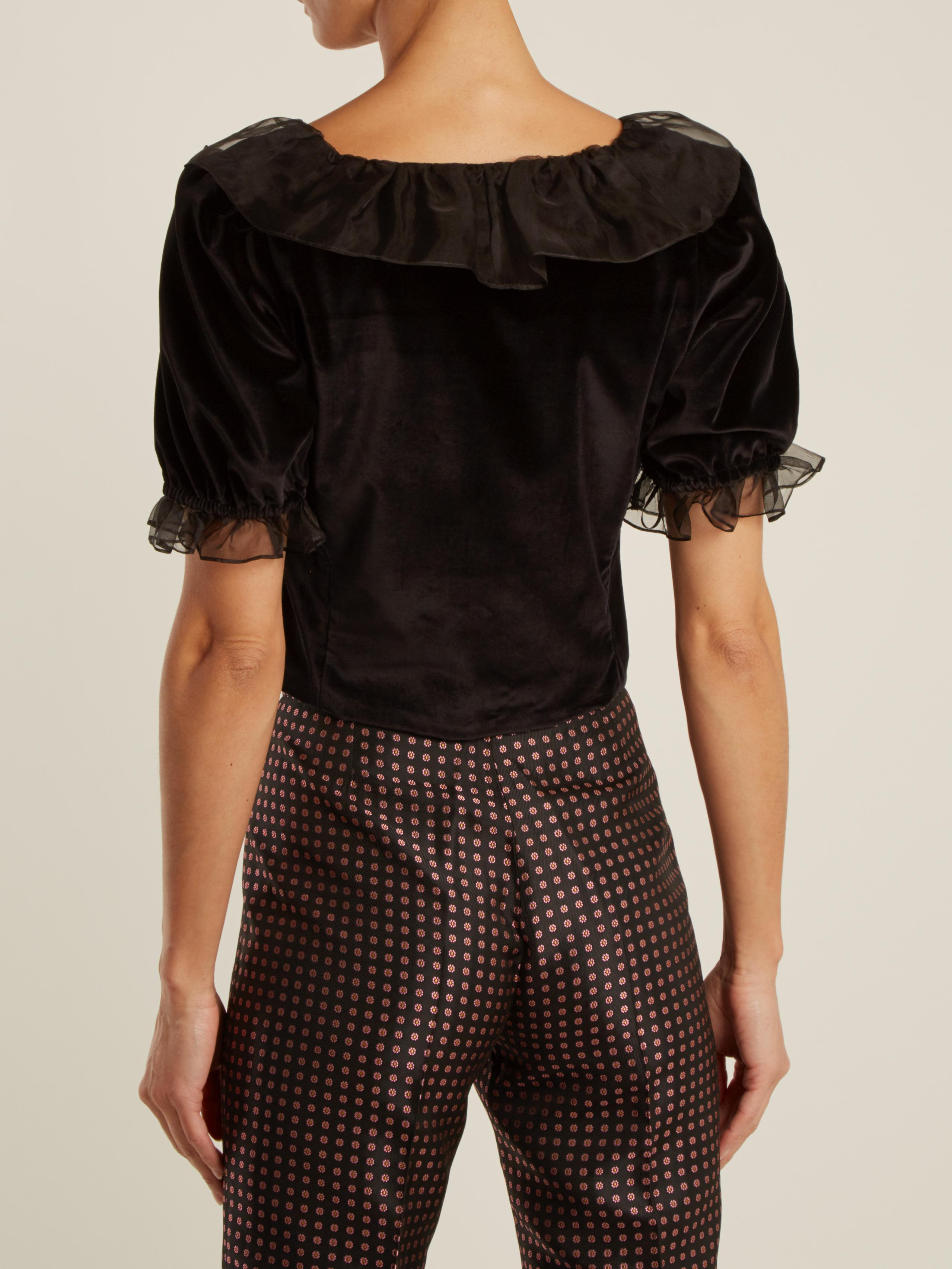 0ff10f20ff3a7 Lyst - ALEXACHUNG Ruffle-trimmed Velvet Cropped Top in Black