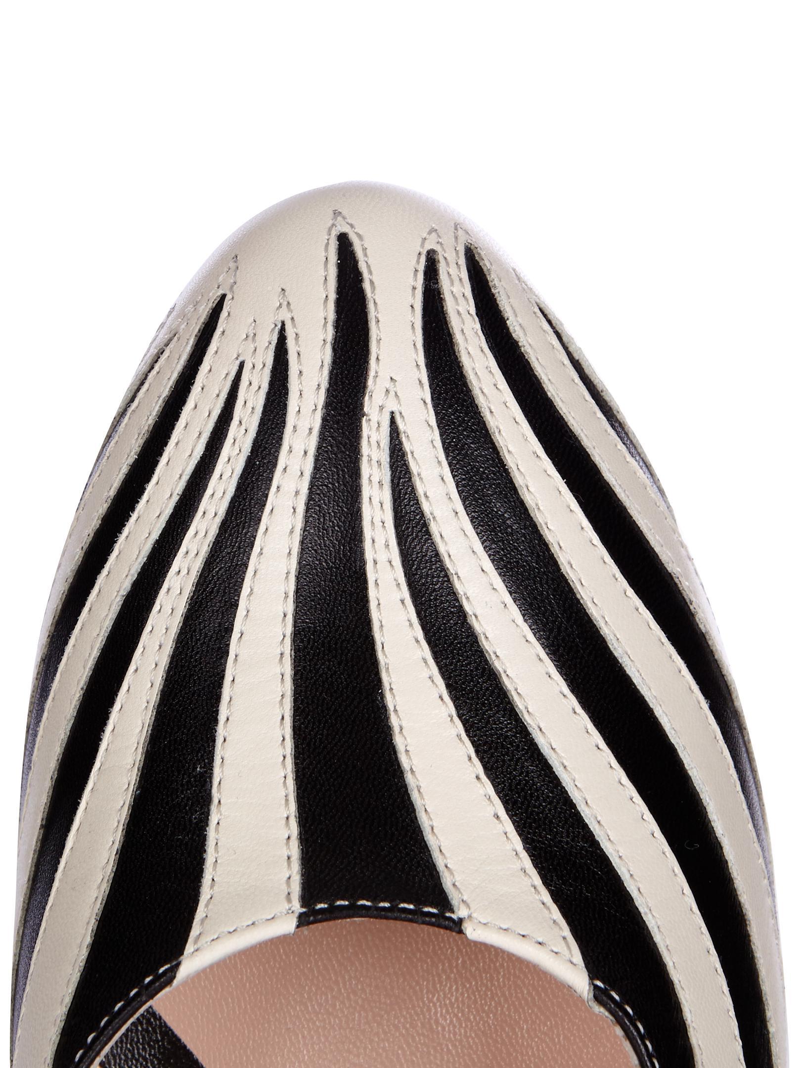e9d6307e0 Gucci Lesley Zebra-Appliqué Leather Pumps in Black - Lyst