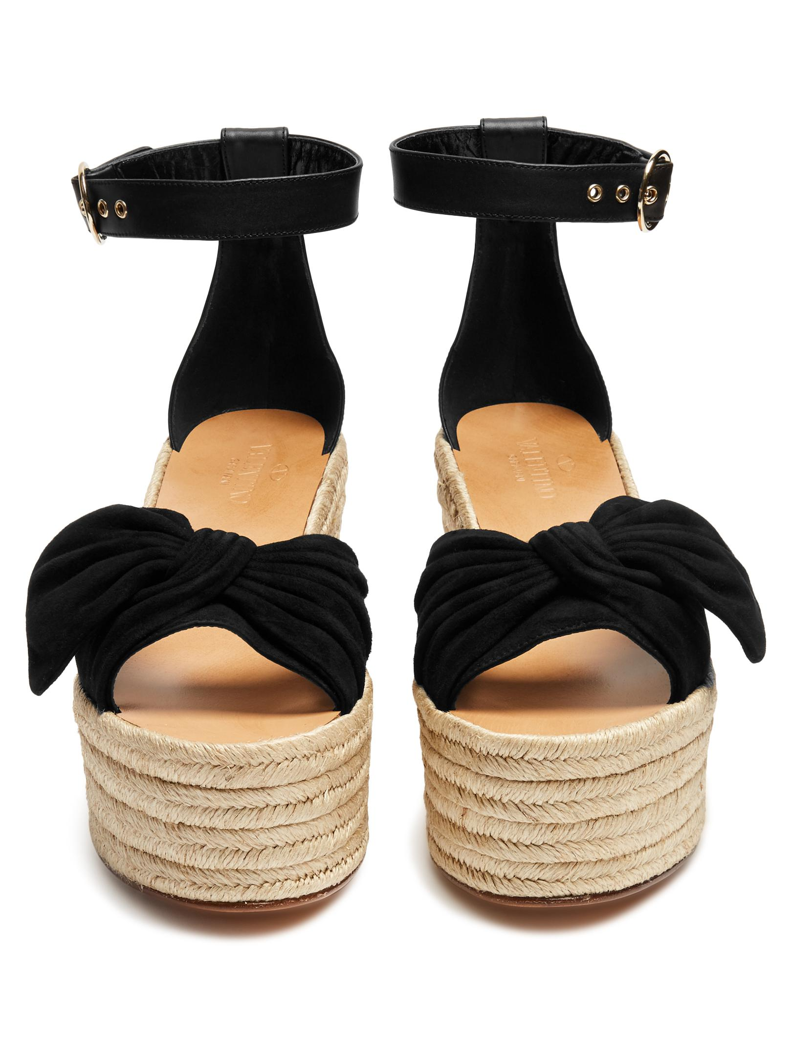 28ca3e225a Gallery. Previously sold at: MATCHESFASHION.COM · Women's Valentino Bow