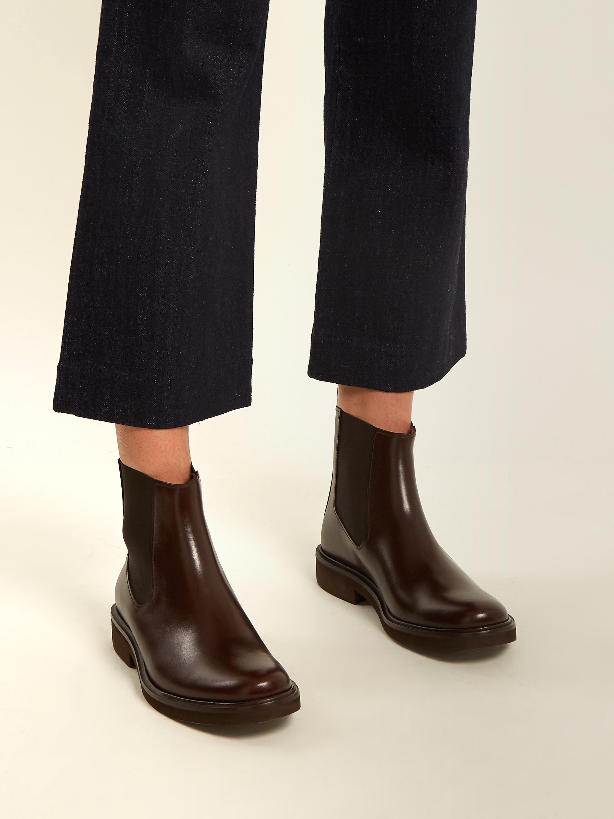 A.P.C. Brown Felicie Chelsea Boots Nt19Cor