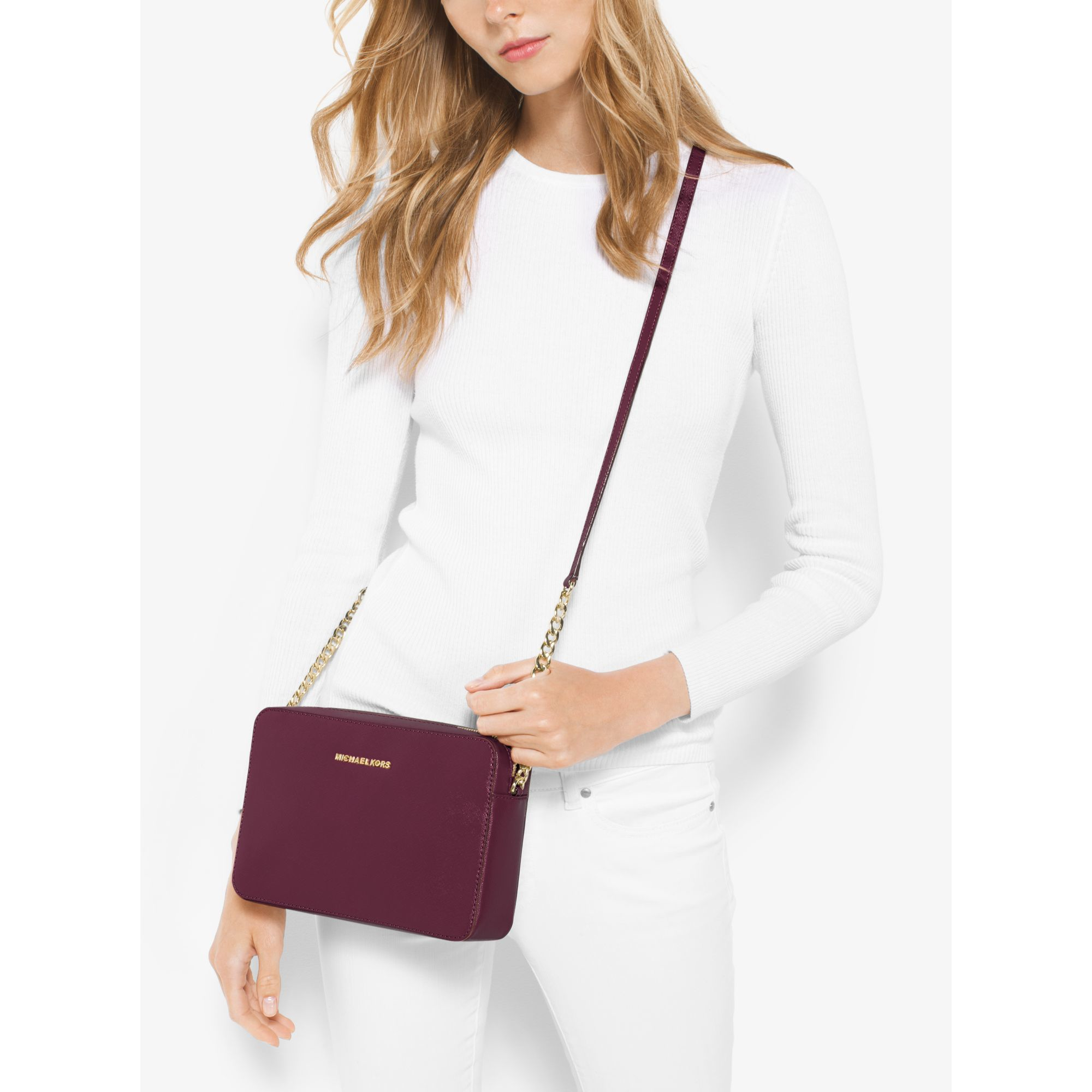 f2f21ff7a Michael Kors Jet Set Large Patent Leather Crossbody Bag in Purple - Lyst