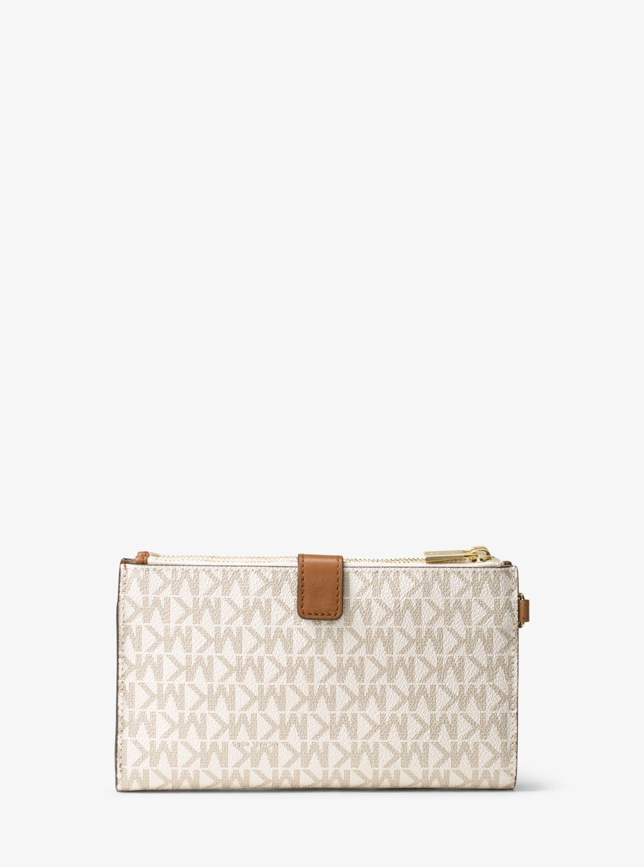 aeadf9f5ad96 Gallery. Previously sold at: Michael Kors · Women's Wristlets