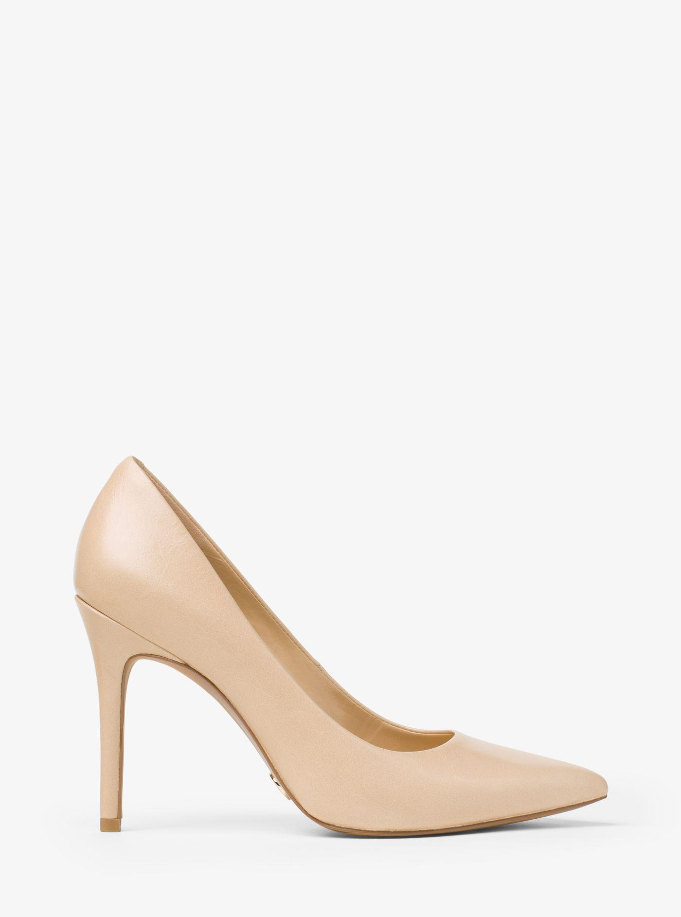 5e43f5aa474 Lyst - Michael Kors Claire Leather Pump in Natural
