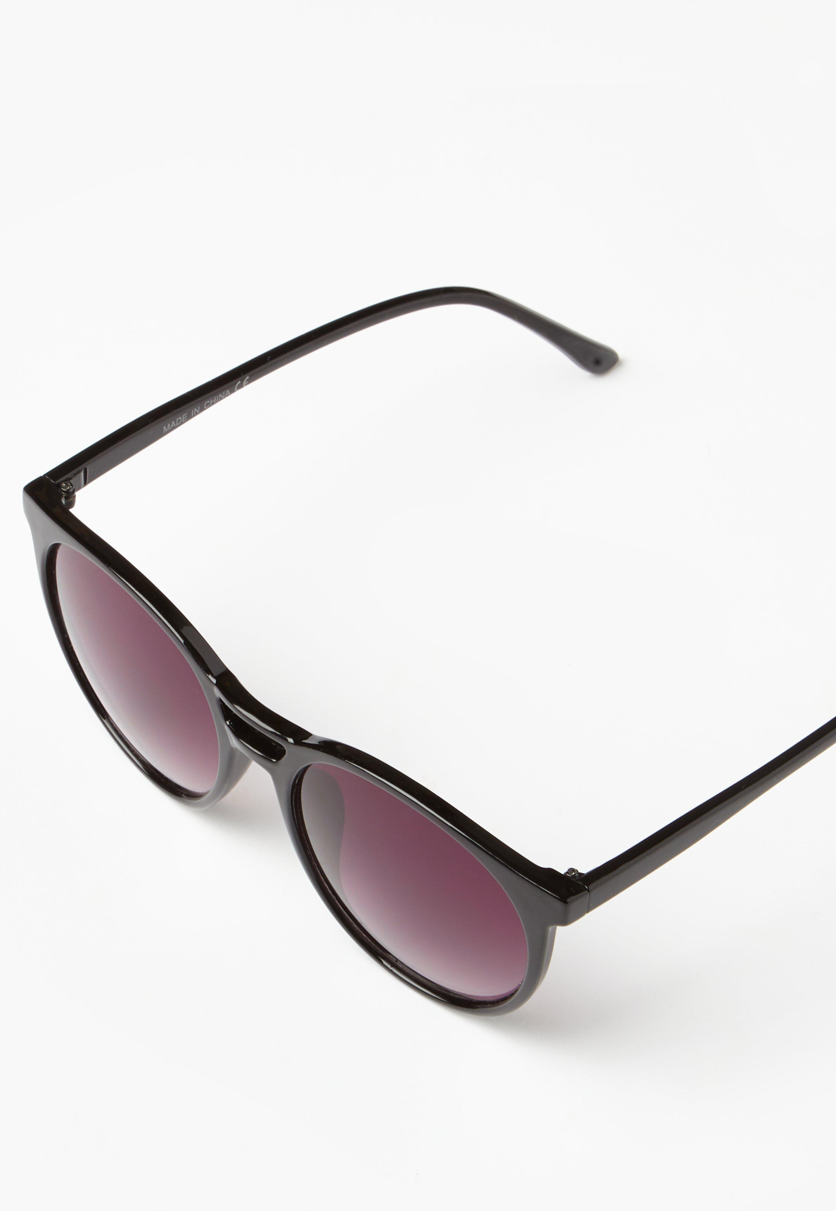 f975d320c Missguided - Black Round Club Sunglasses - Lyst. View fullscreen