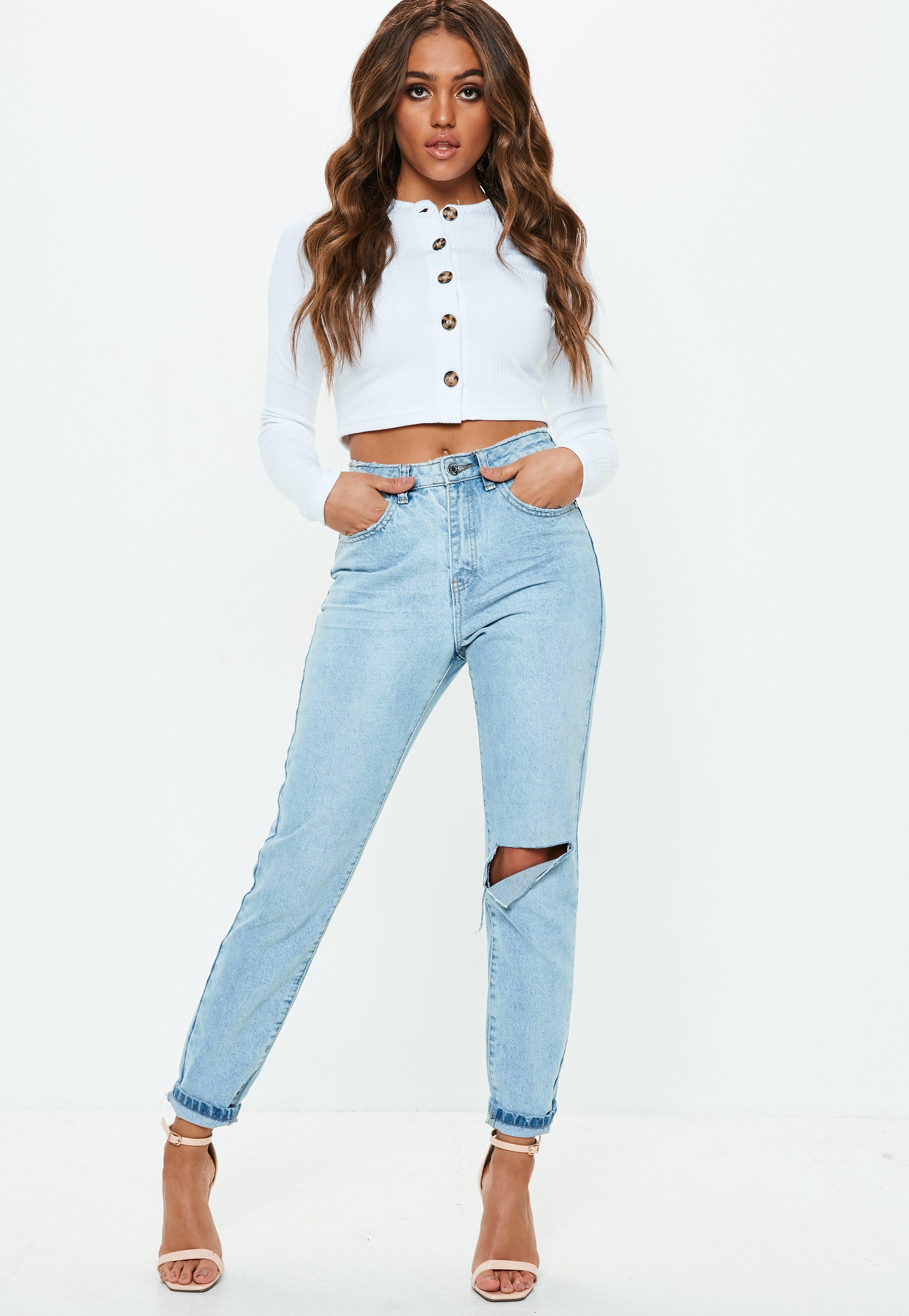 1f5e87f1b07e4 Lyst - Missguided White Horn Button Long Sleeve Crop Top in White