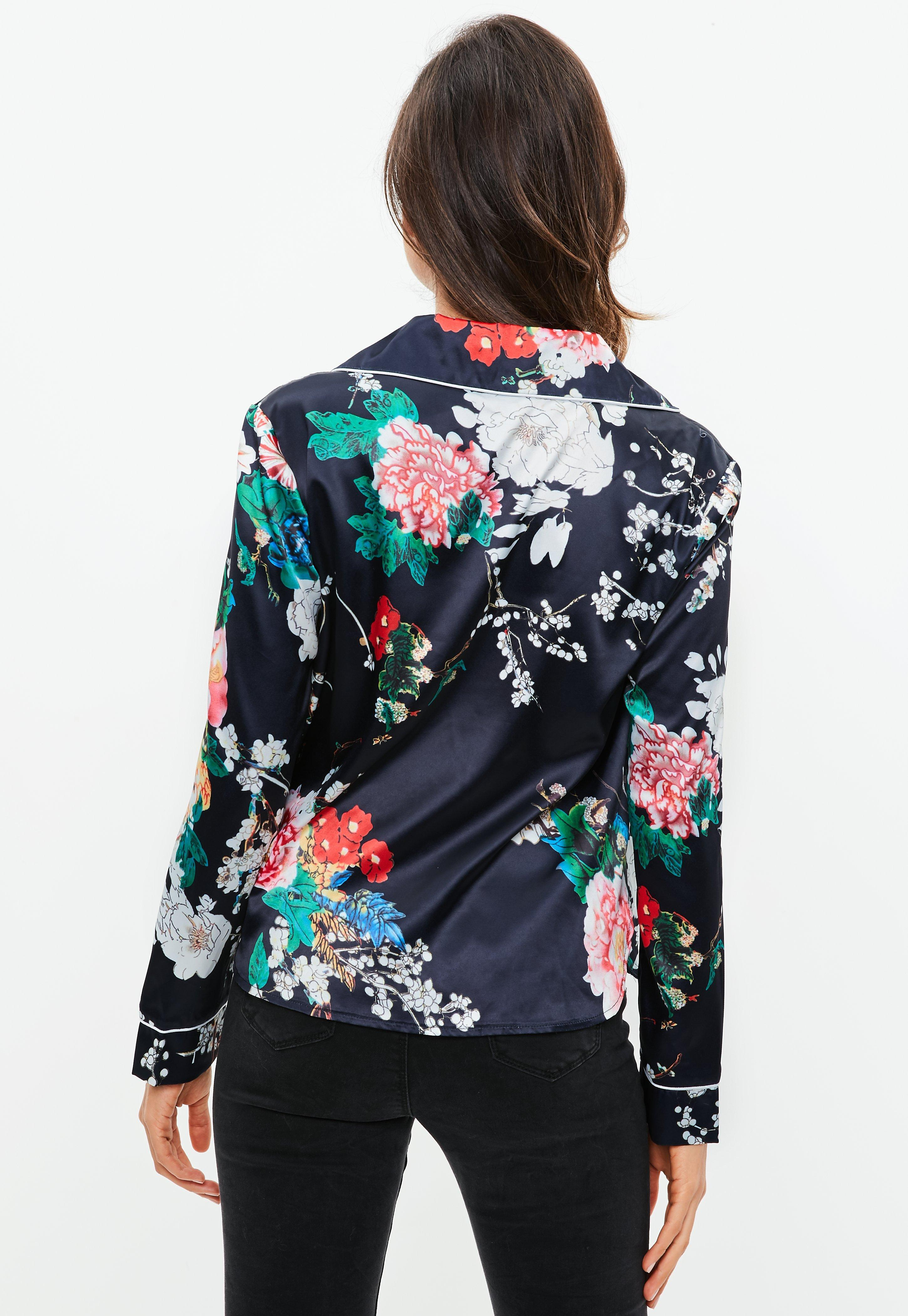 04be3ea0d4 Lyst - Missguided Black Floral Print Satin Pajamas Blouse in Black