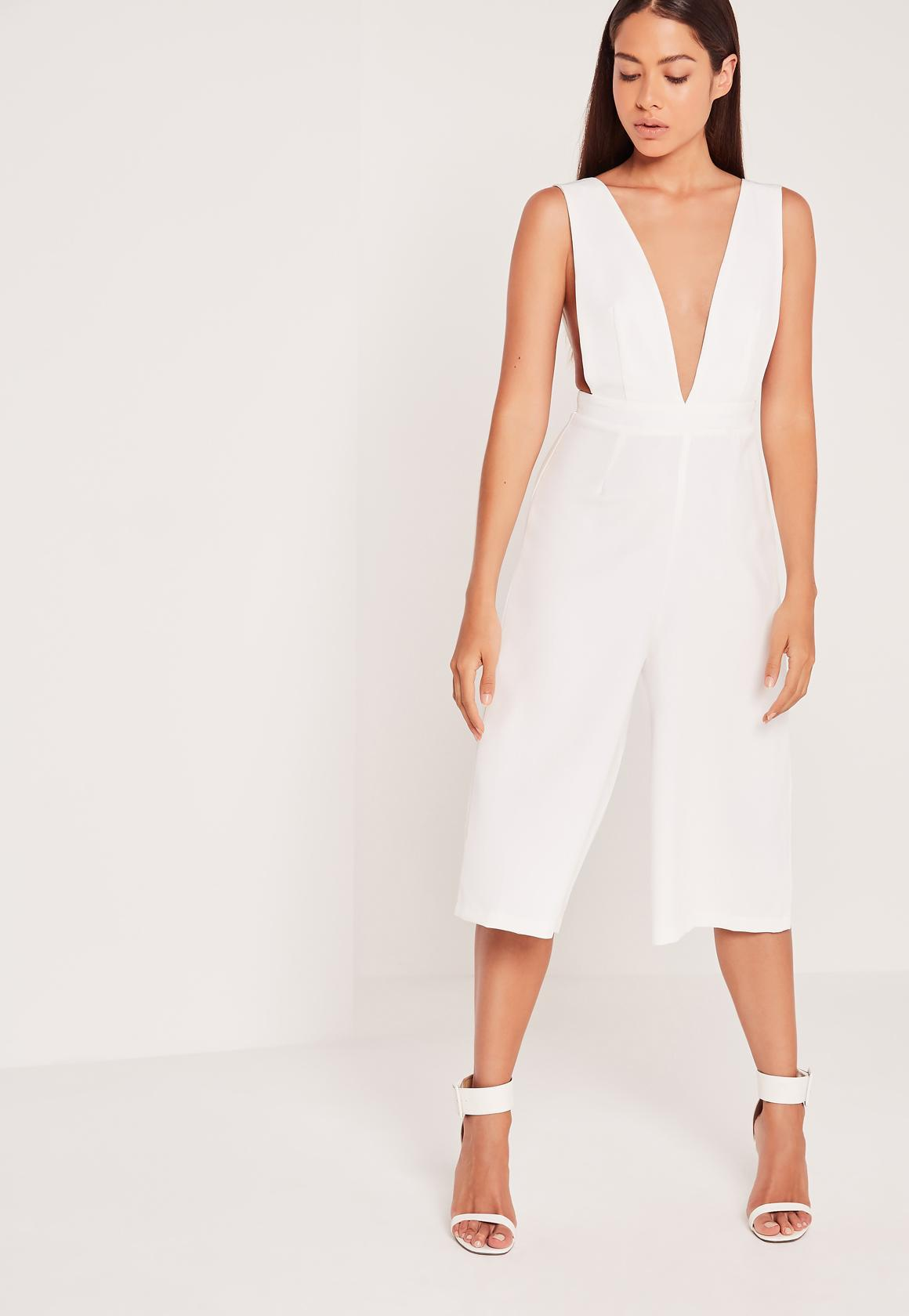 85085a57968e Lyst - Missguided Crepe Side Boob Culotte Jumpsuit White in Black