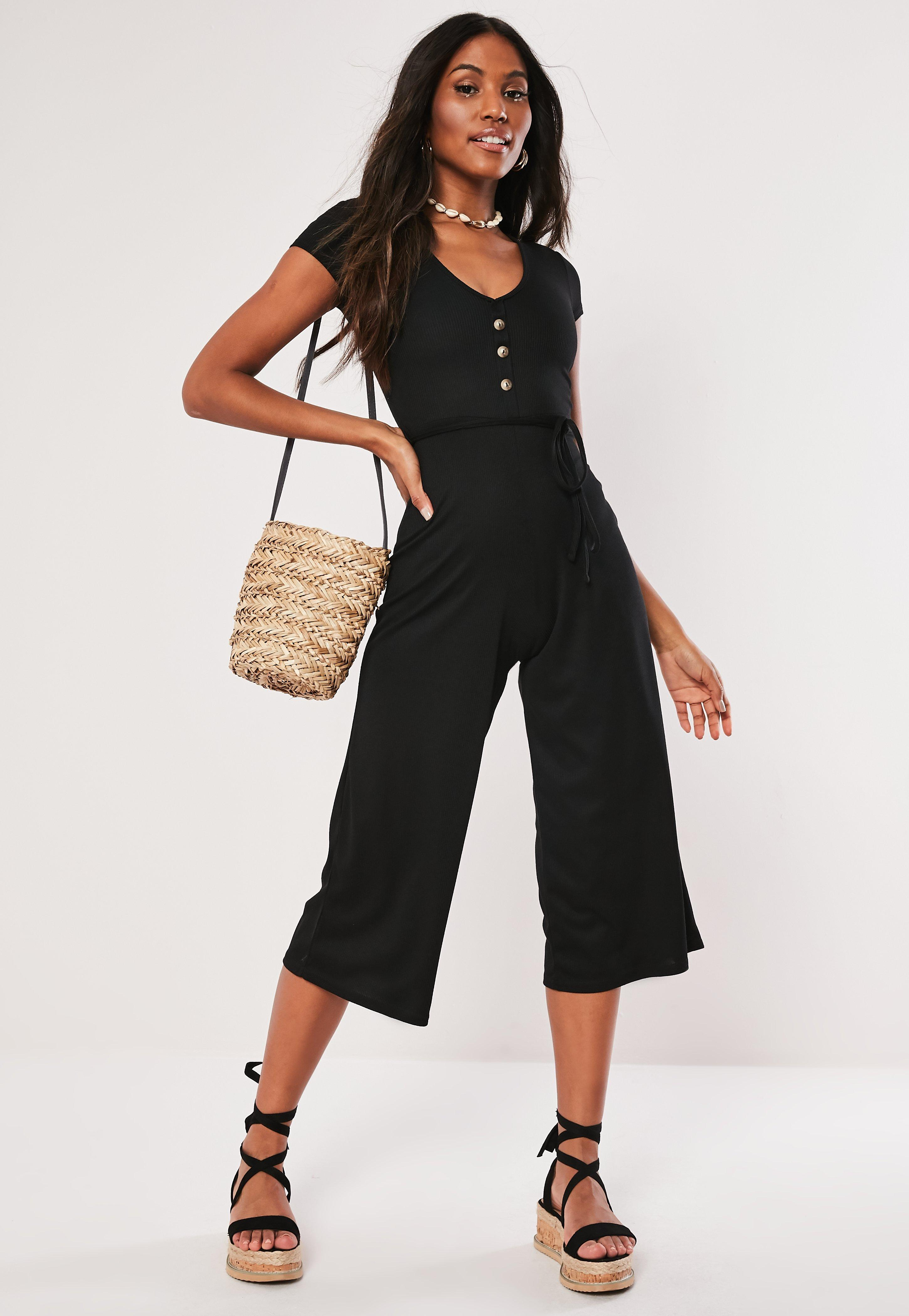 7a90fe52a796 Missguided Black Ribbed V Front Culotte Jumpsuit in Black - Lyst