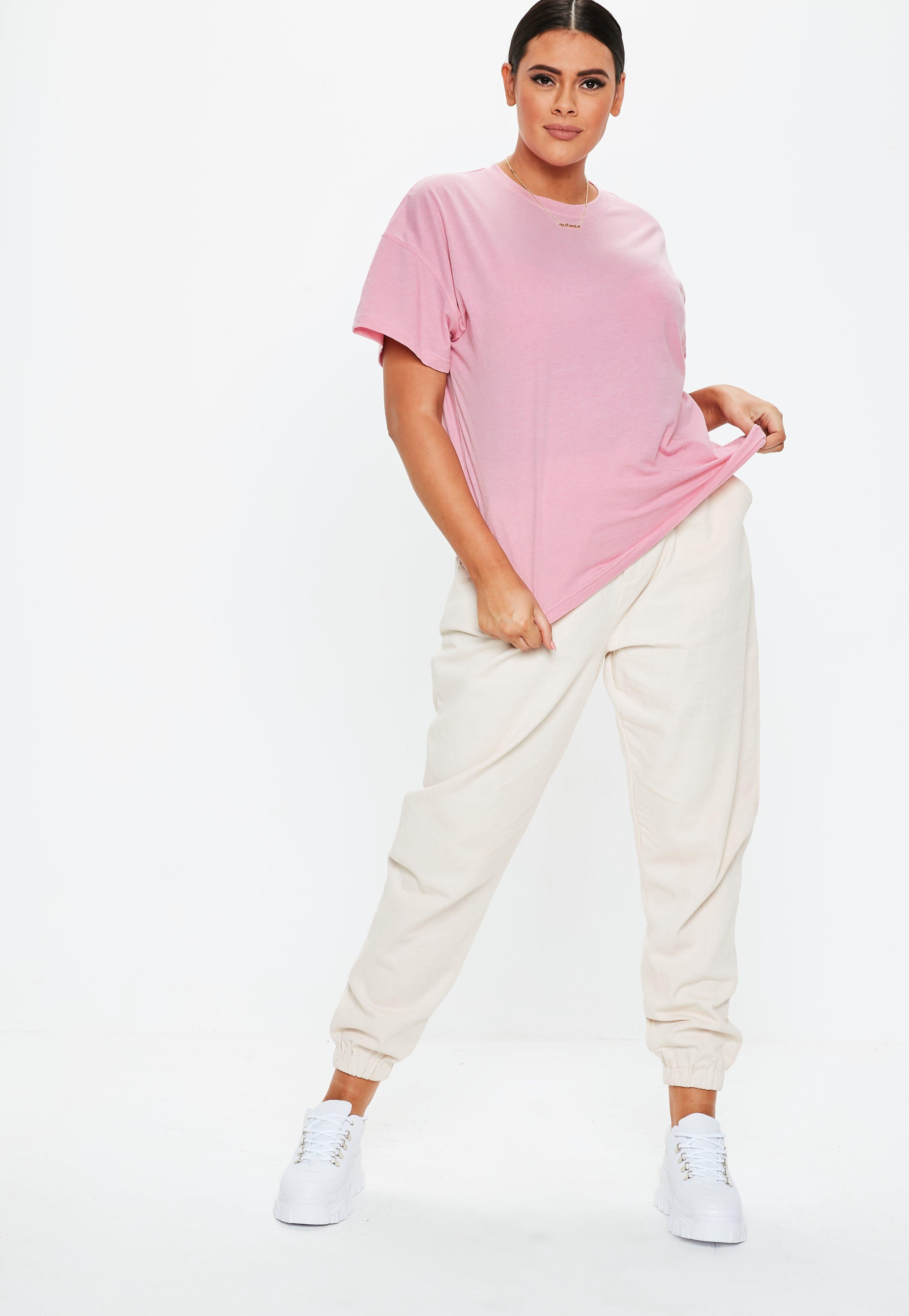 903b98fd861 Missguided - Plus Size Pink Oversized Graphic T Shirt - Lyst. View  fullscreen