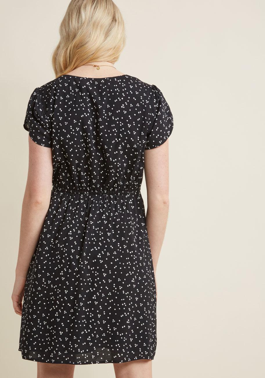 bc6d0d0d50 Lyst - ModCloth What A Girl Flaunts Short Sleeve Dress in Black