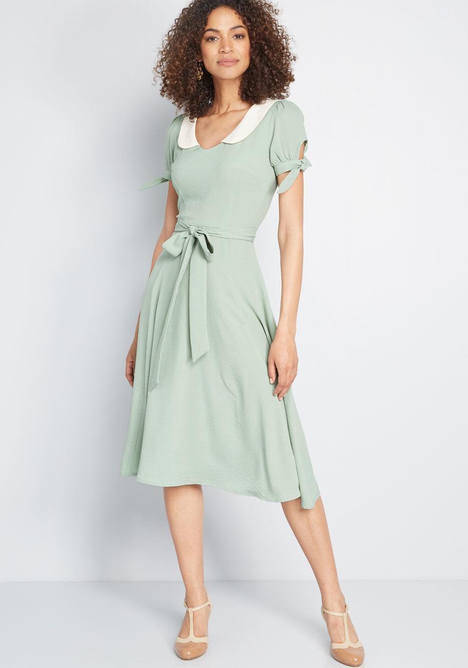 85c158def0a5 Collectif Definitely Feminine Midi Dress in Green - Lyst