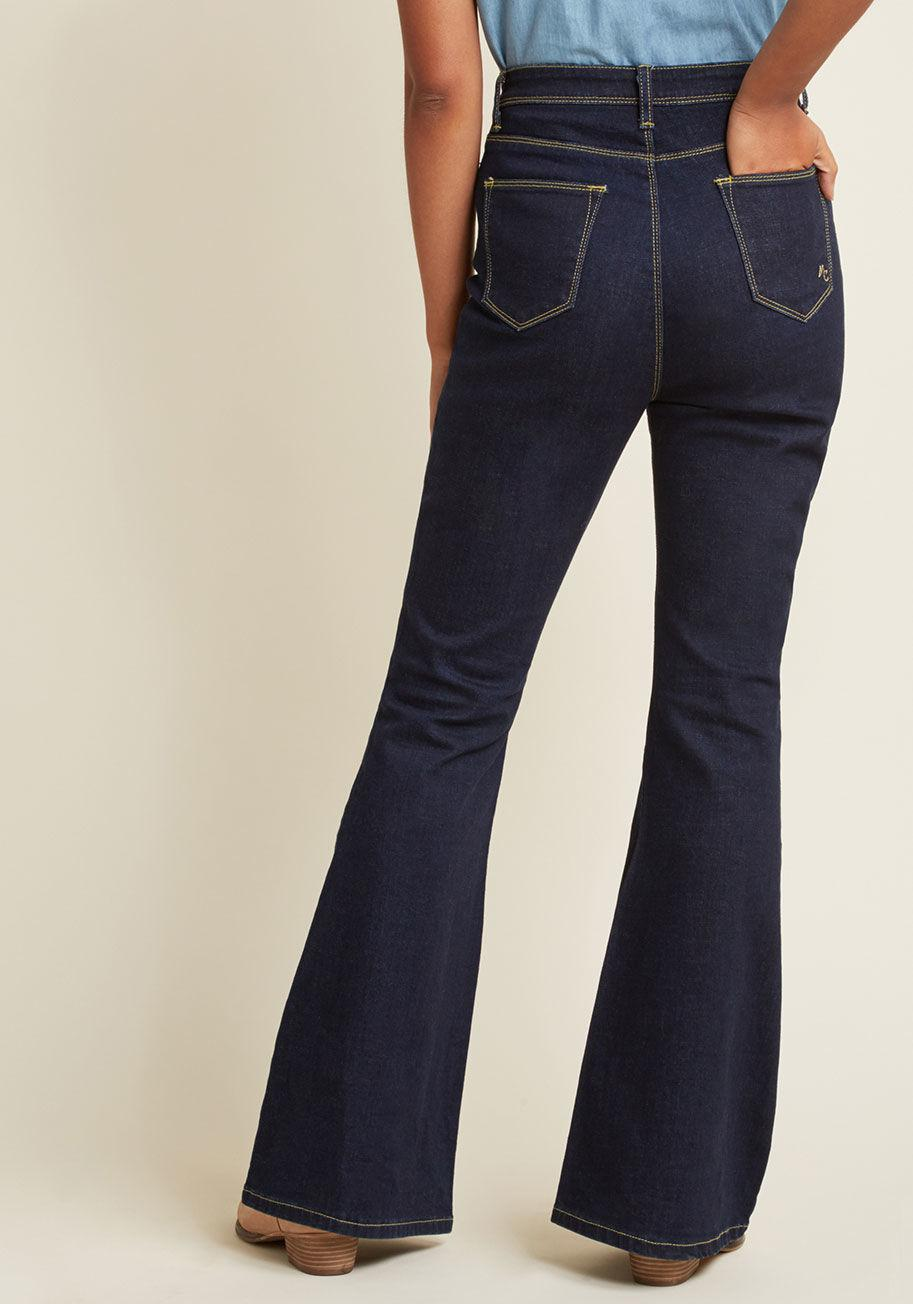 b1ea3a72b7b Lyst - ModCloth Button Fly Flare Jeans In Dark Wash in Blue