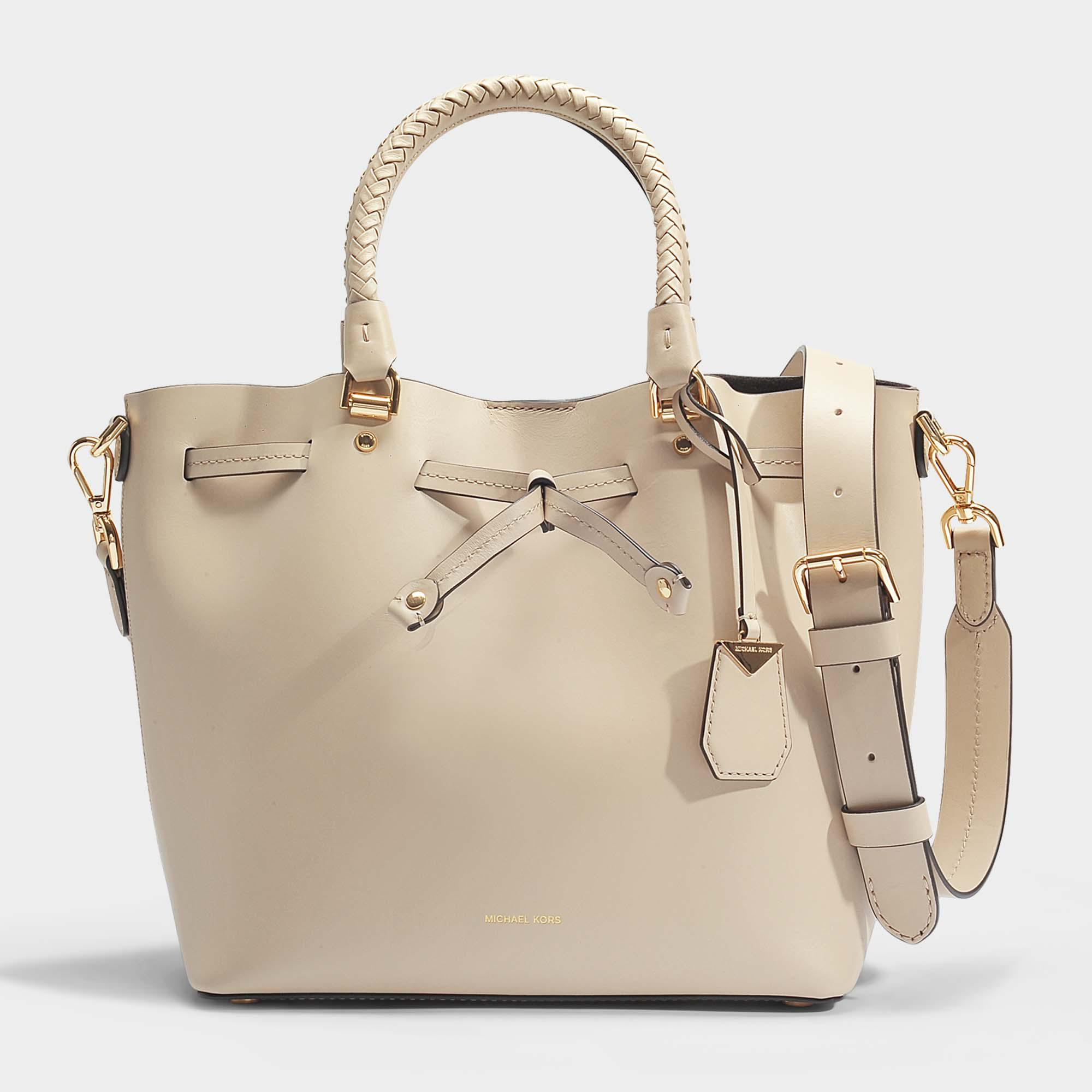 MICHAEL Michael Kors Blakely Medium Bucket Bag In Cream Leather in ... 6a904e11b2908