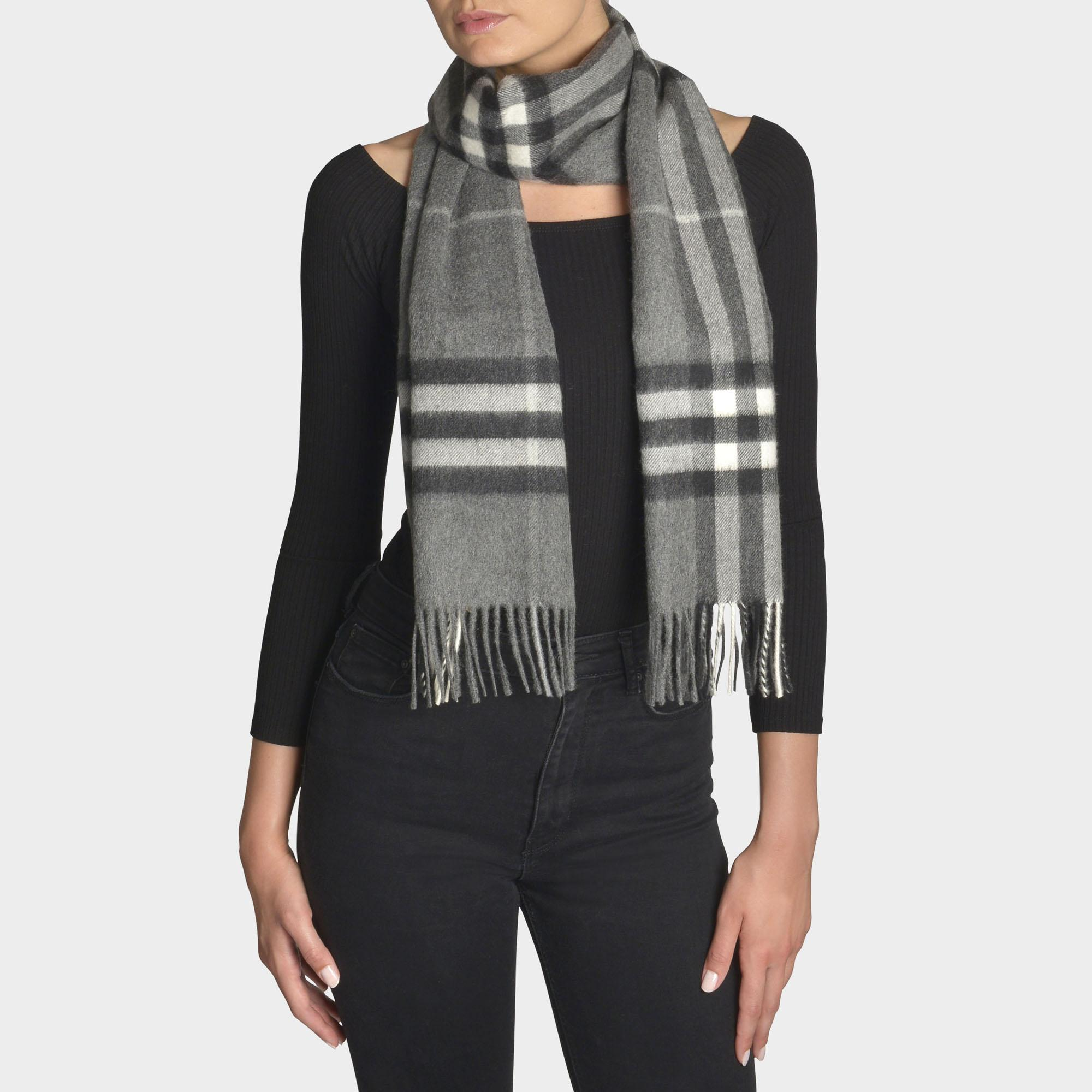 Burberry Giant Icon Scarf In Grey Cashmere in Gray - Lyst 1af2c1b0b8c50