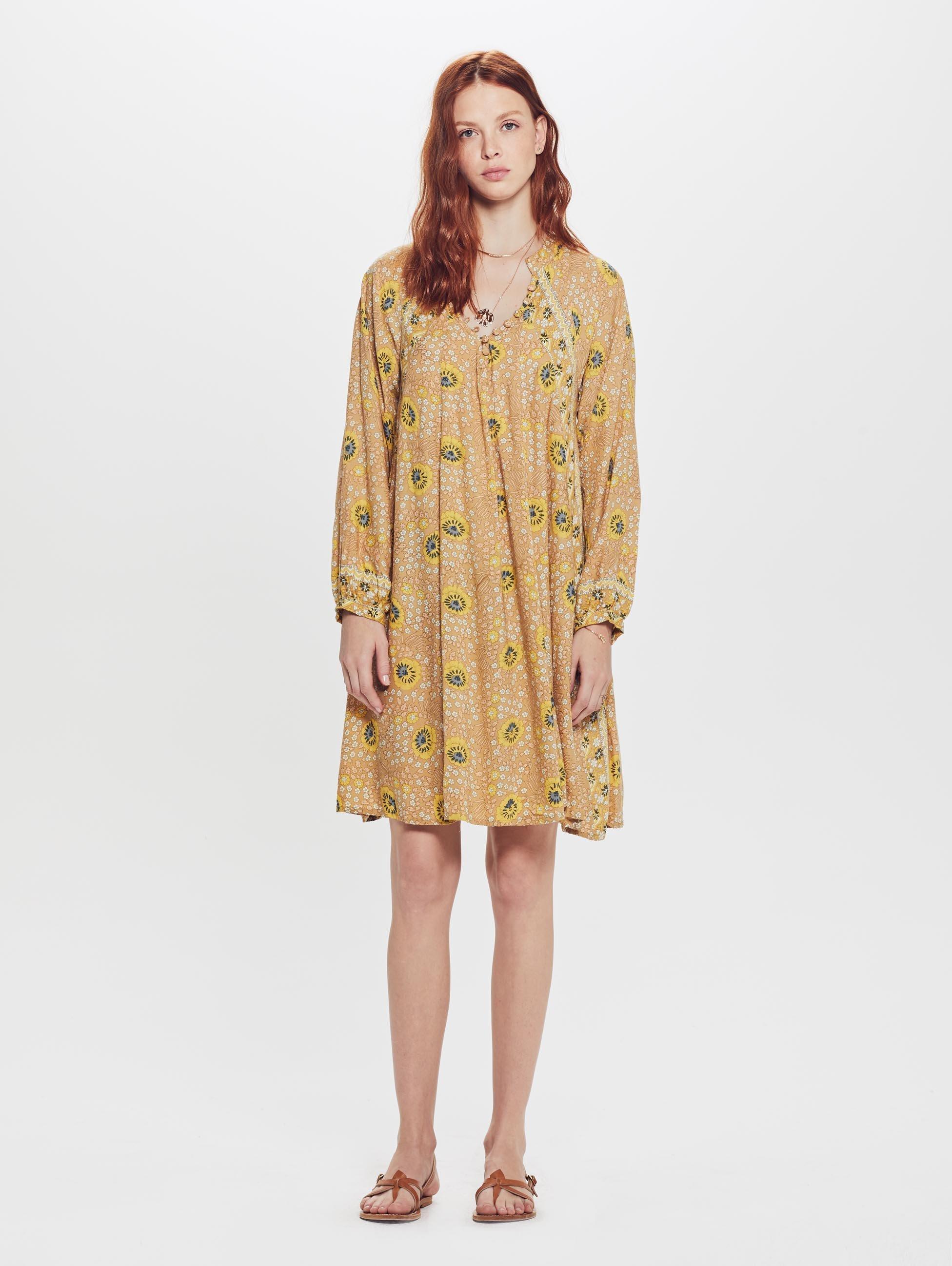 f0cd8490fdd Lyst - Natalie Martin Fiore Short Rayon Dress Vintage Flowers Gold in  Metallic