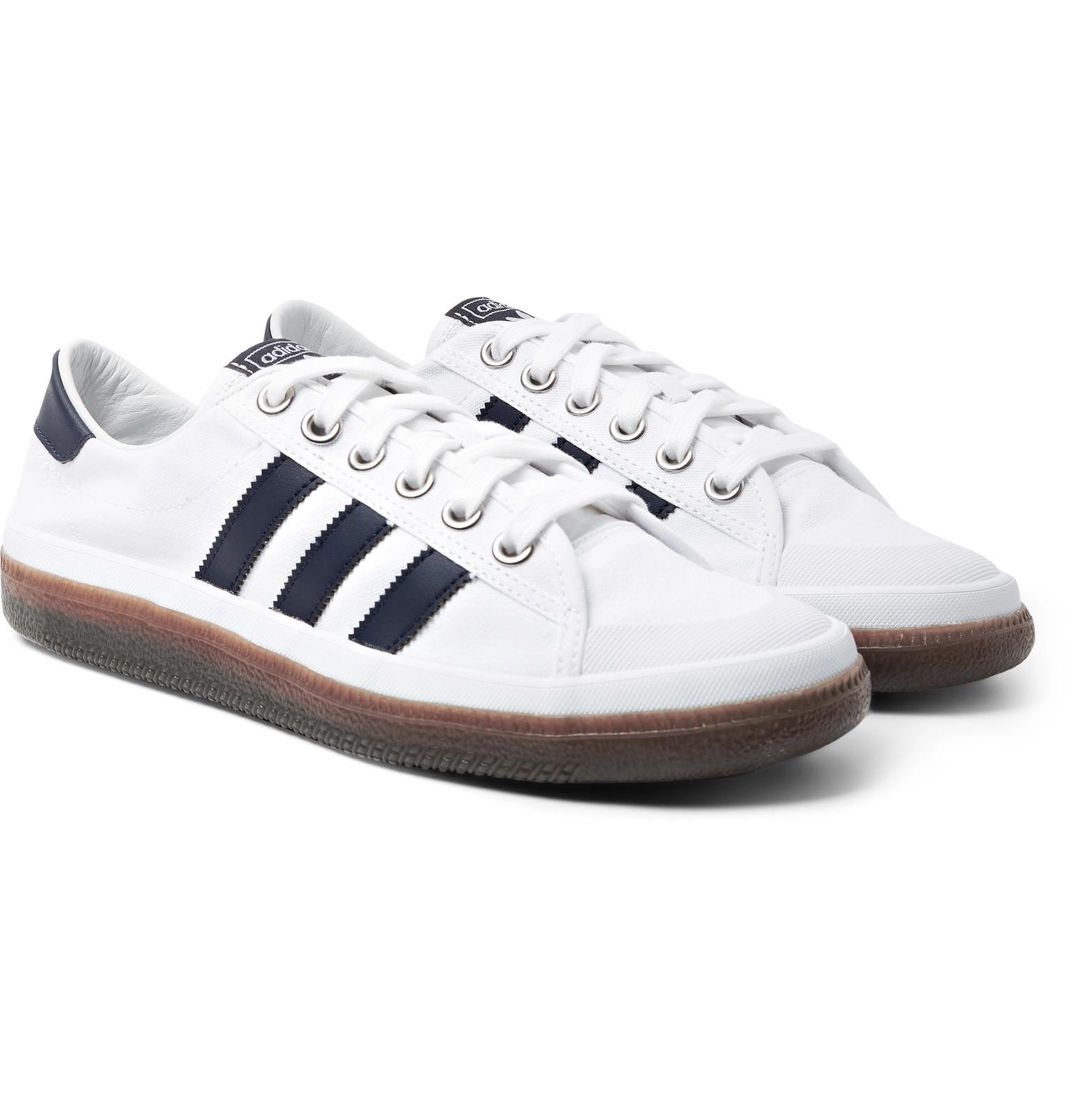 pick up e55c9 0b0b7 adidas Originals. Men s White Spezial ...