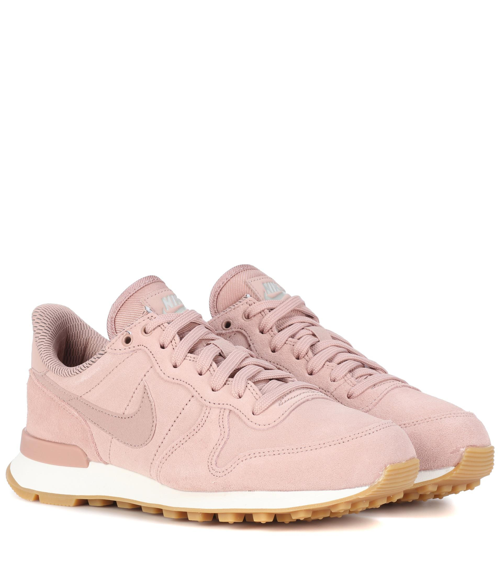 Nike Internationalist suede sneaker s pink UP46289