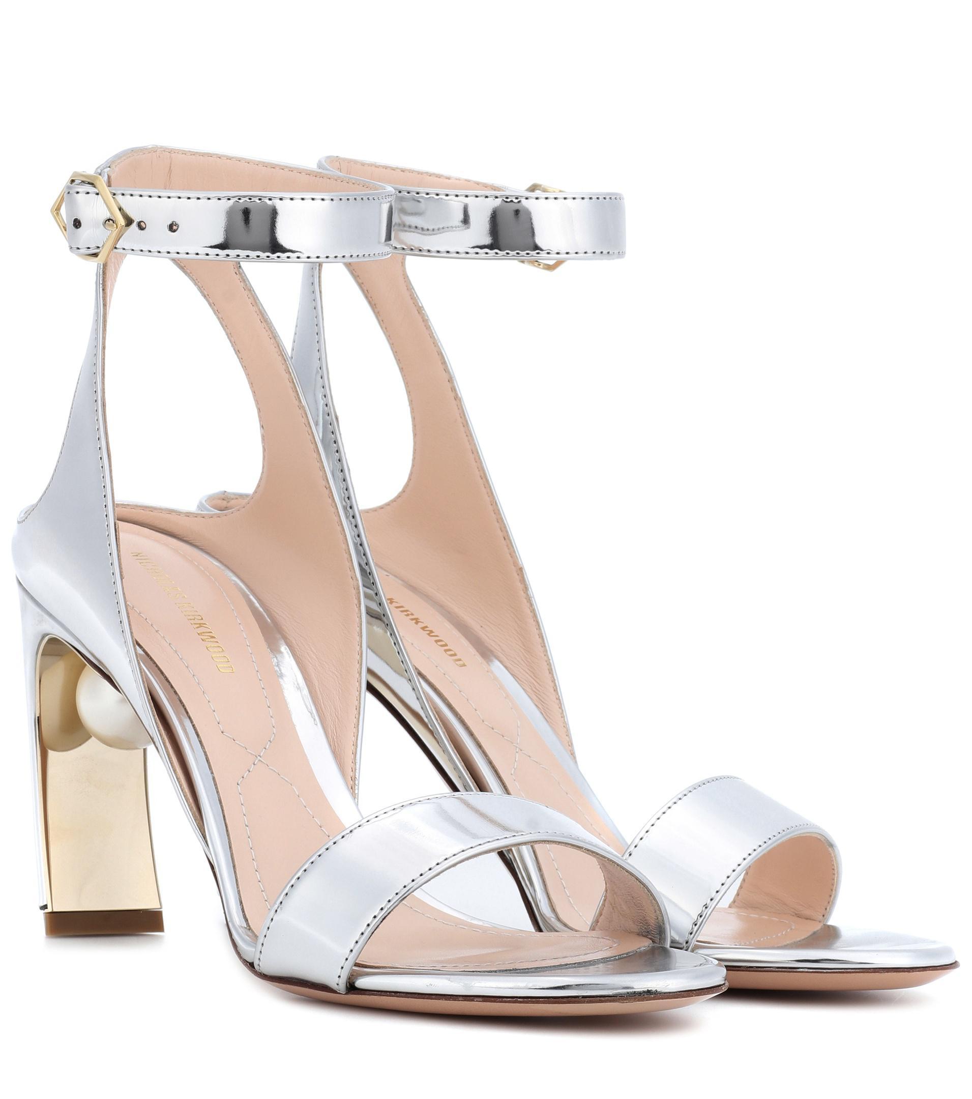 49a0d3ddde2 Lyst - Nicholas Kirkwood Lola Pearl 90mm Metallic Sandals in Metallic