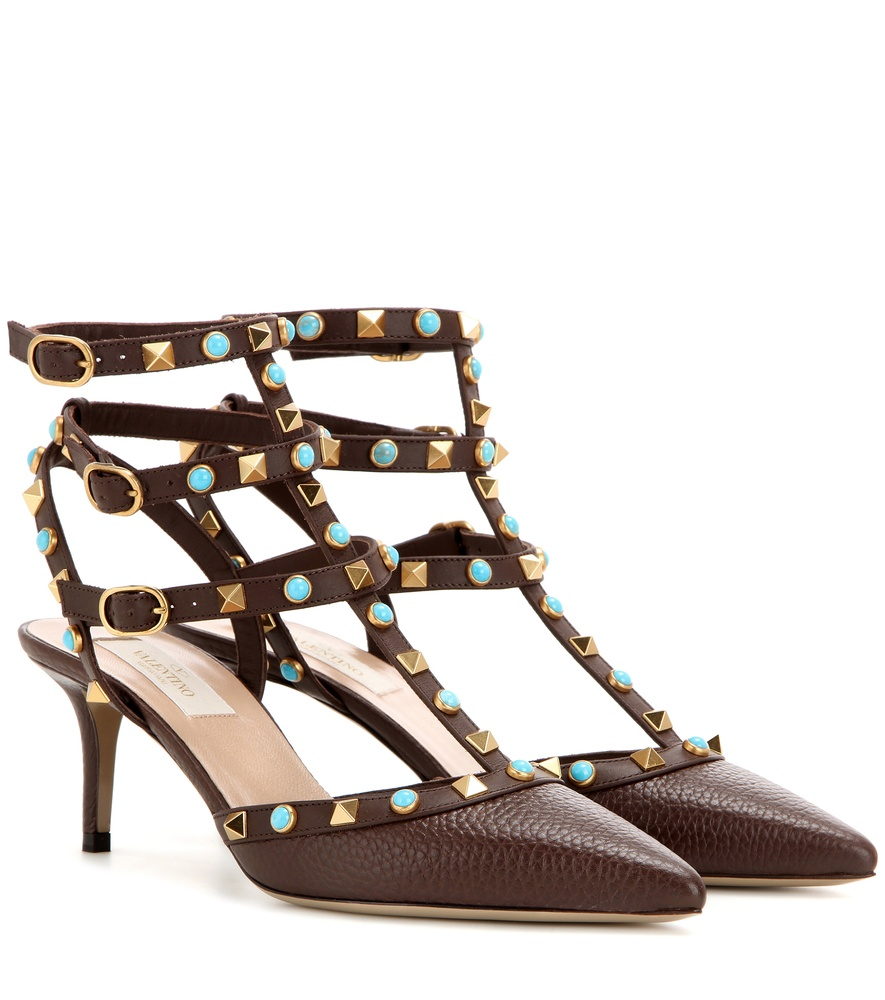 valentino rockstud rolling leather pumps in black brown lyst. Black Bedroom Furniture Sets. Home Design Ideas
