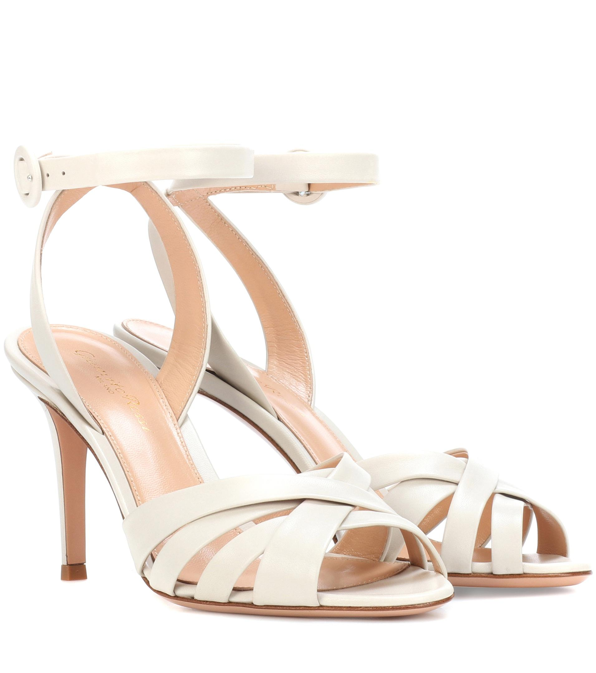 Gianvito Rossi Exclusive to mytheresa.com FklqwV9Axe