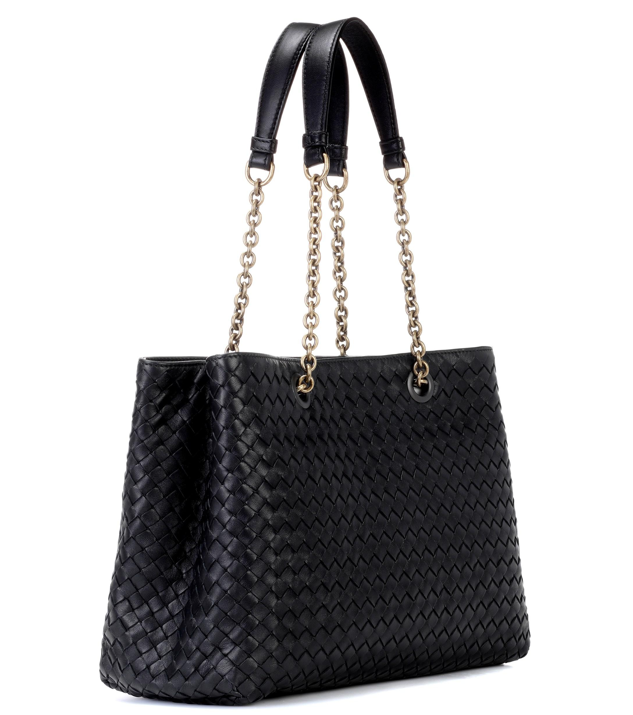 5500f88817 Bottega Veneta Intrecciato Leather Shoulder Bag in Black - Lyst