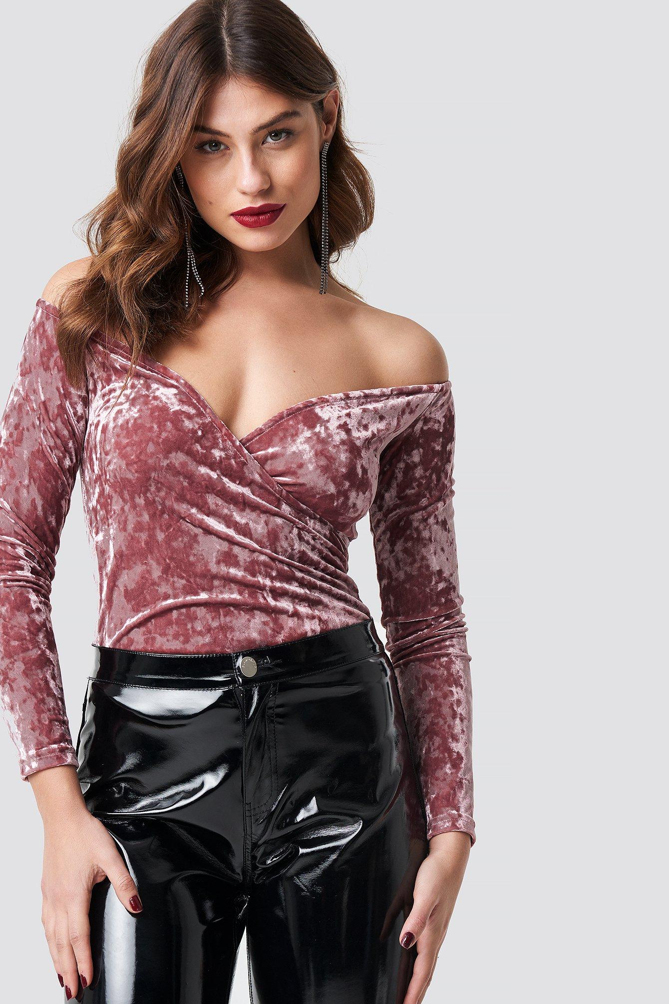 176f79bfaa5f15 Lyst - NA-KD Velvet Off Shoulder Top Dusty Pink in Pink - Save 52%