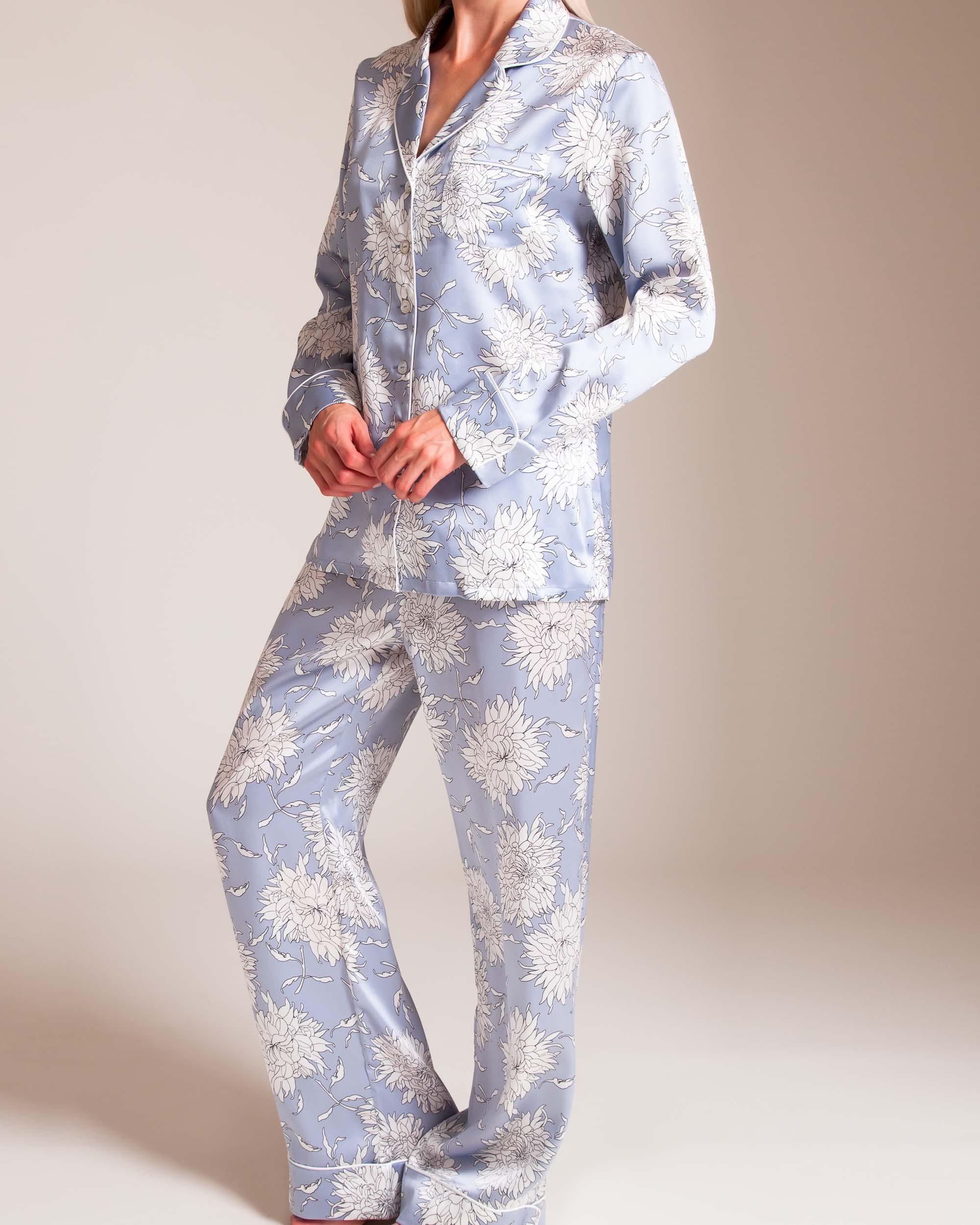 Lyst - Olivia Von Halle Lila Kiko Silk Pajama in Blue e227f2d3f