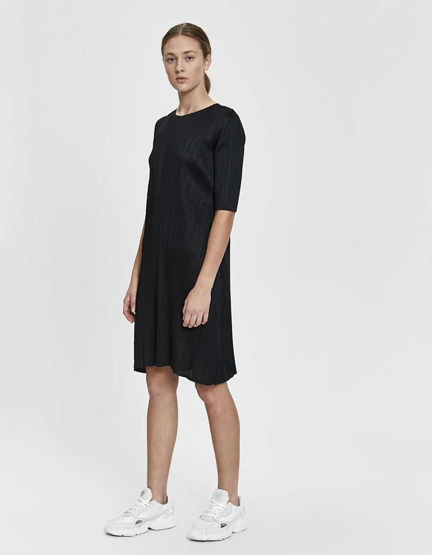 2ecd398cfc475 Pleats Please Issey Miyake Short Sleeve Dress in Black - Lyst