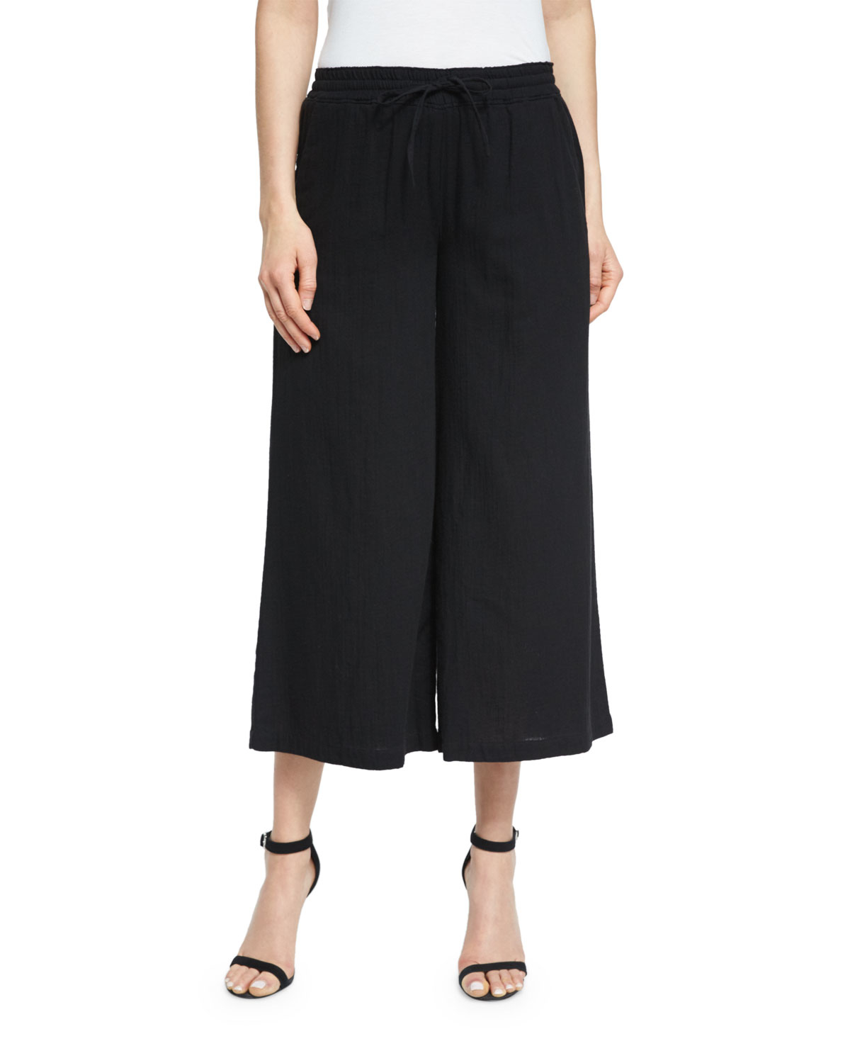 Think cropped styles and wide legs in an array of colours for comfort, without compromising on style. A black trouser is a wardrobe staple, be it for work or a smart casual outing. The seasonal change calls for a more relaxed fit - linen trousers are a key trend this season!