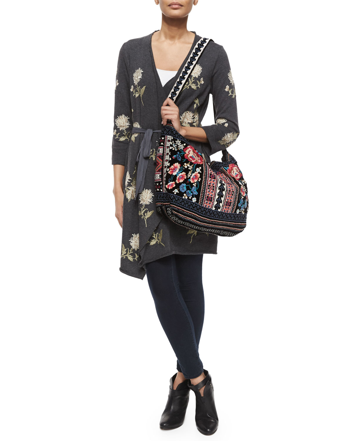 Johnny was Izzy Embroidered Velvet Tote Bag in Black | Lyst