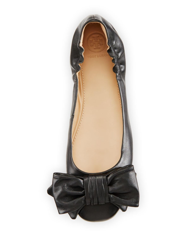330844897bc0 Lyst - Tory Burch Divine Bow Driver Ballerina Flat in Black