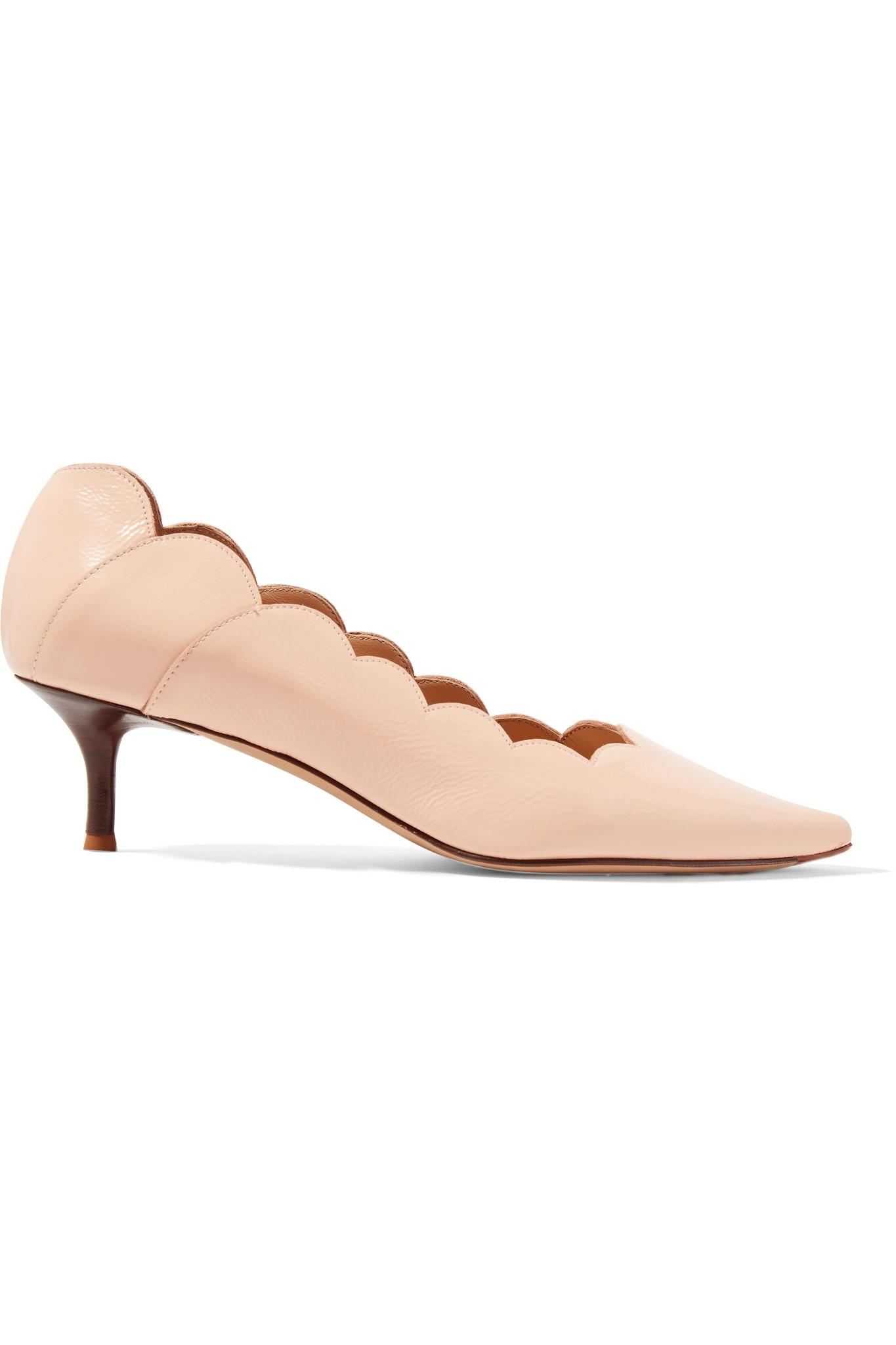 80e9f8607dd2 Chloé. Women s Lauren Scalloped Glossed-leather Pumps