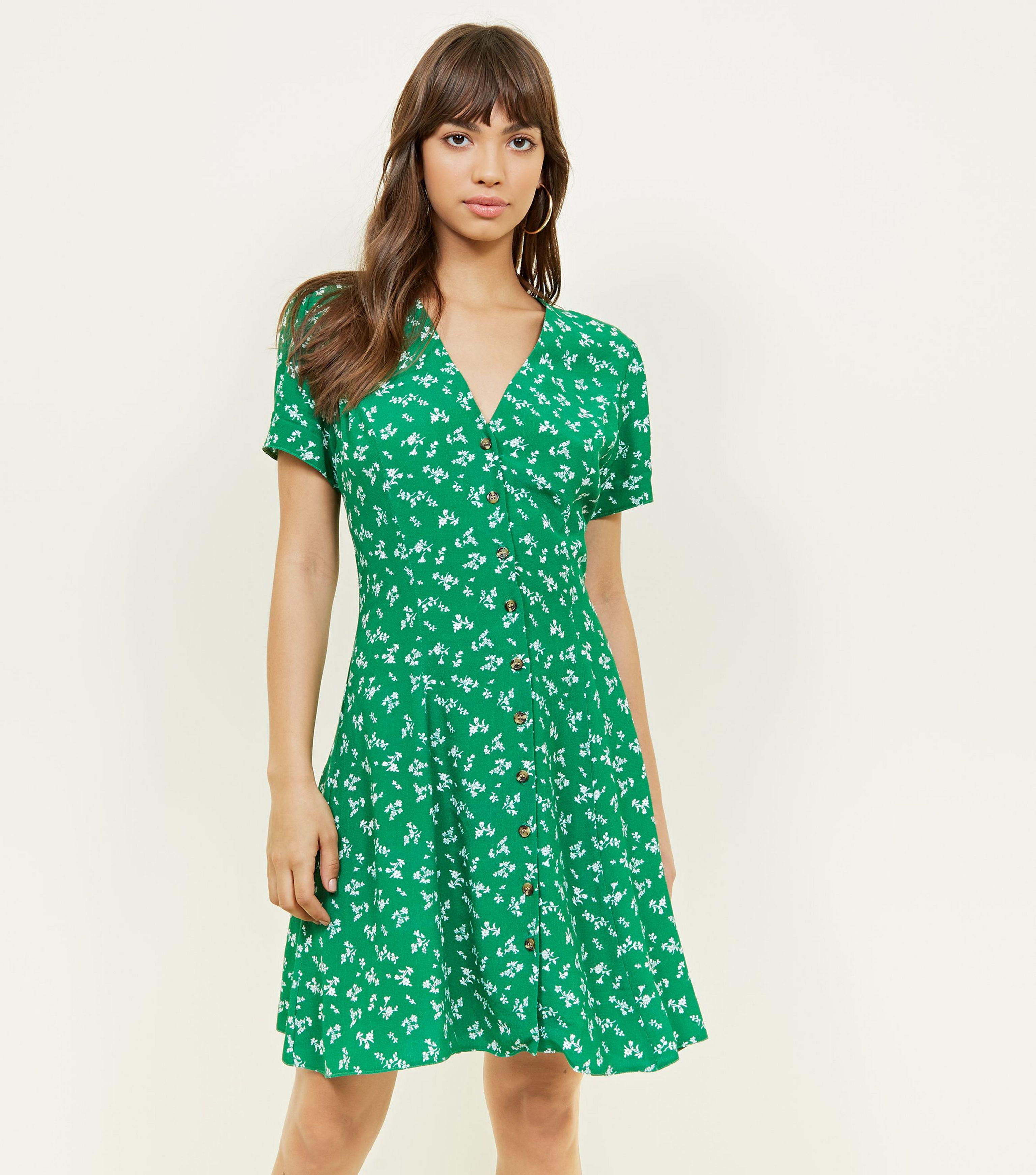 739414c2399f New Look Green Ditsy Floral Button Front Mini Dress in Green - Lyst