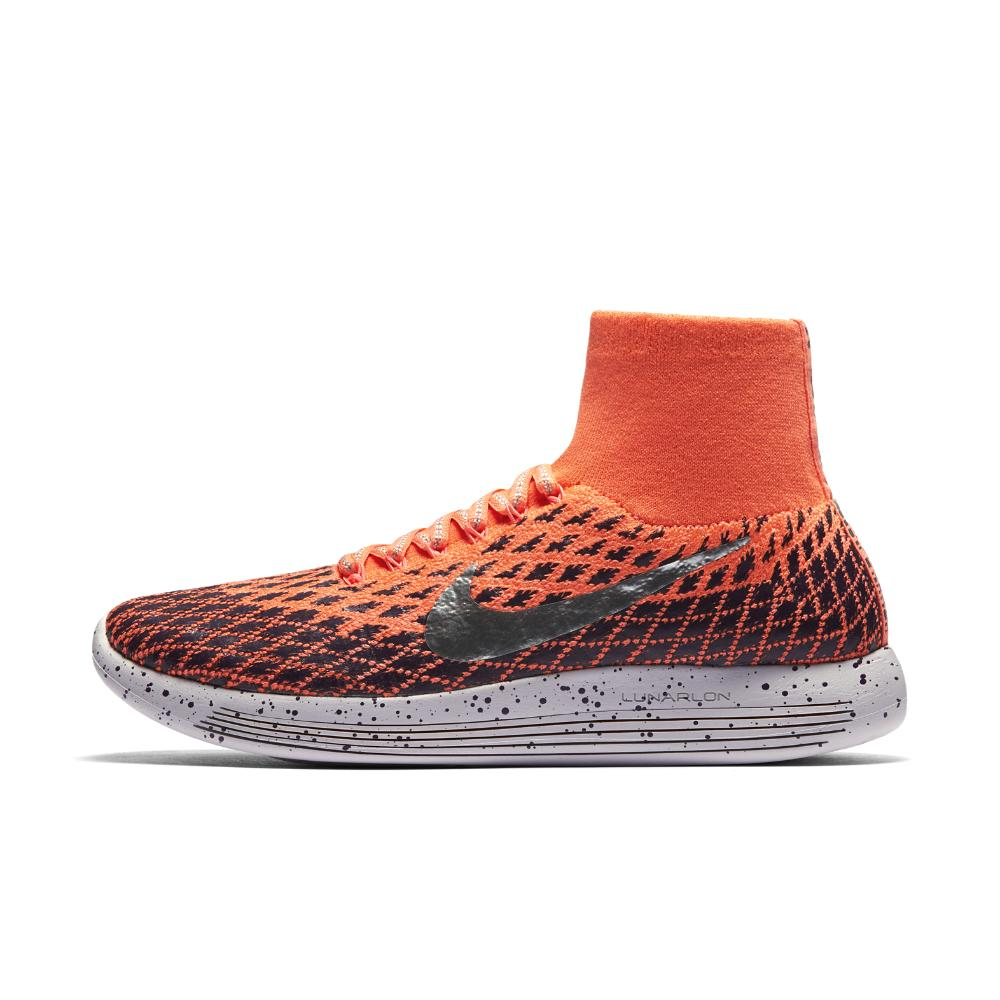 best sneakers c9552 8eb0f Previously sold at Nike · Women s Nike Flyknit ...