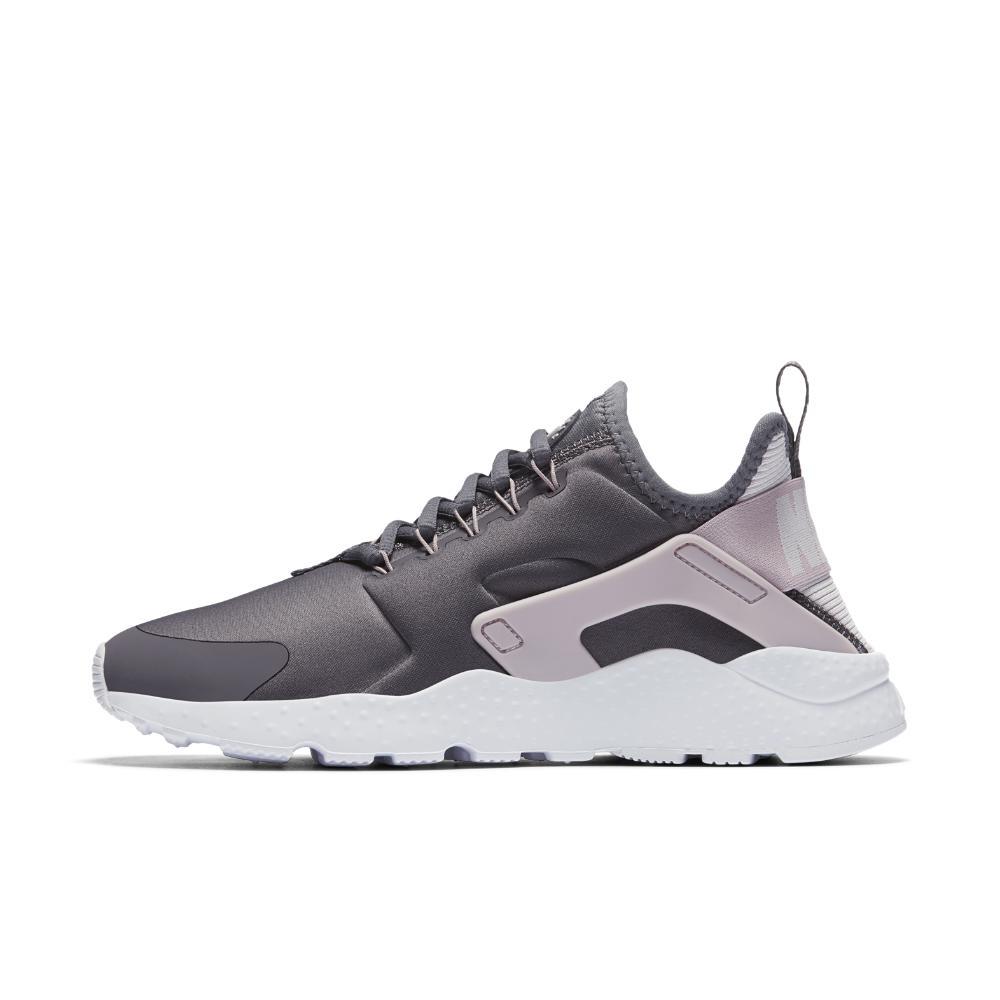 2ca849710ecc Lyst Nike Chaussure pour Ultra Huarache Air Blanc Femme vvfqrwSW6