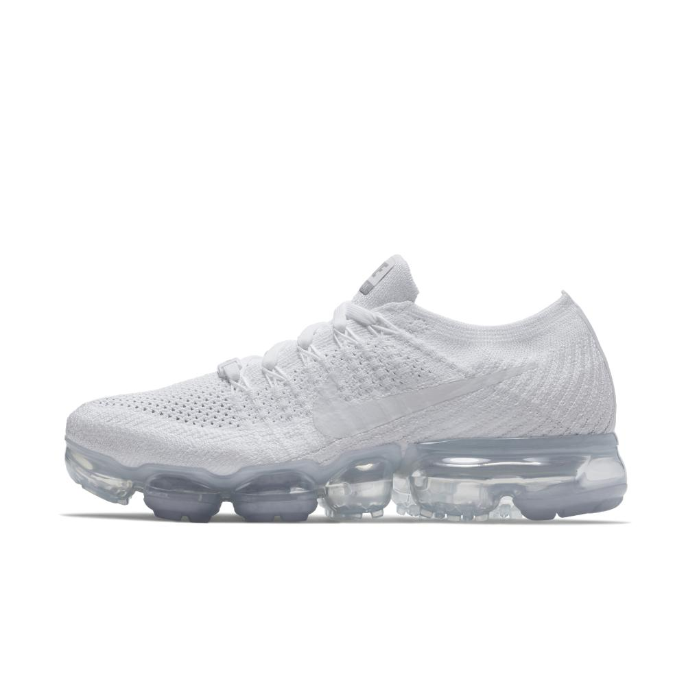 0a7594fdd45ed Lyst - Nike Air Vapormax Flyknit Women s Running Shoe in White