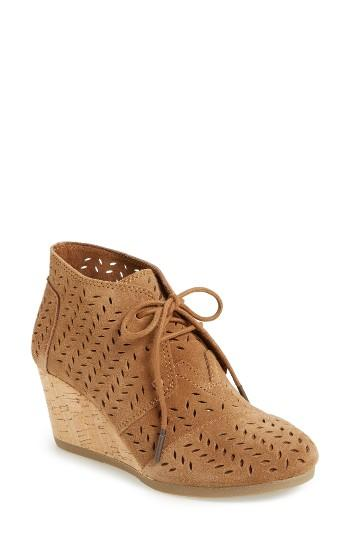 toms perforated chukka wedge boot in brown lyst