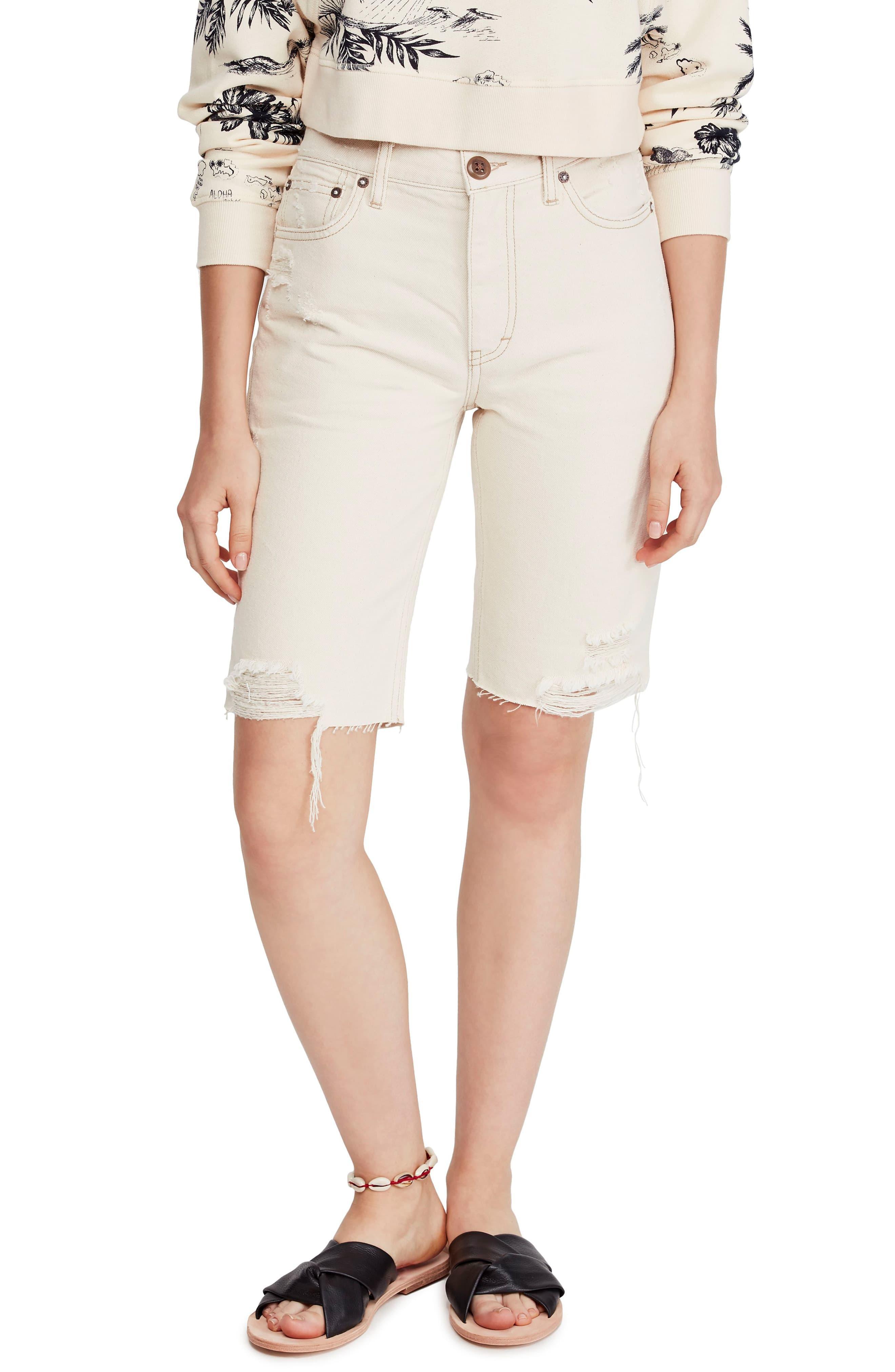 e2bd60dbd37c Free People Caroline Cutoff Denim Shorts in Natural - Lyst