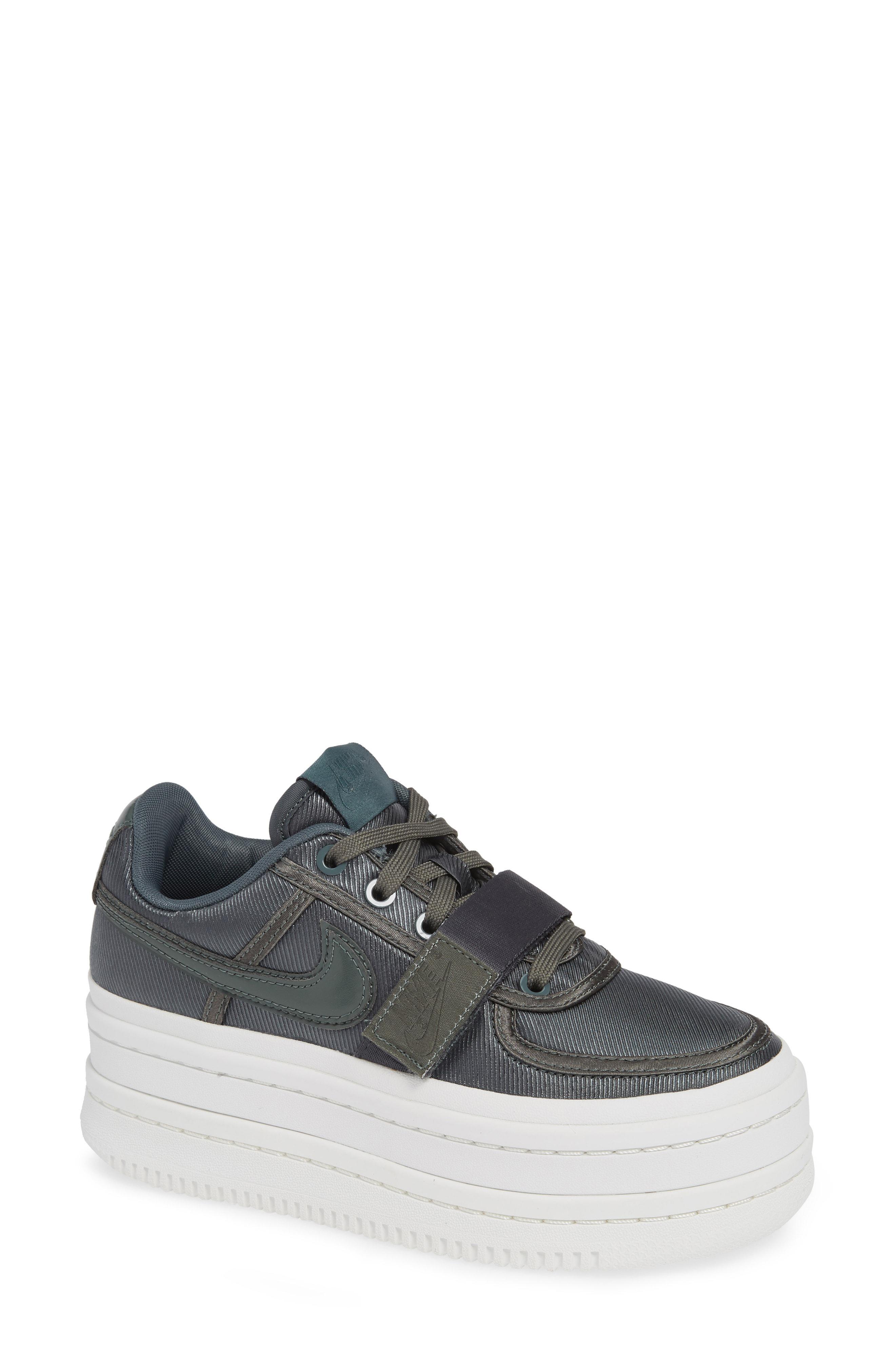 Nike. Women s Vandal 2k Sneaker a1b9921a6