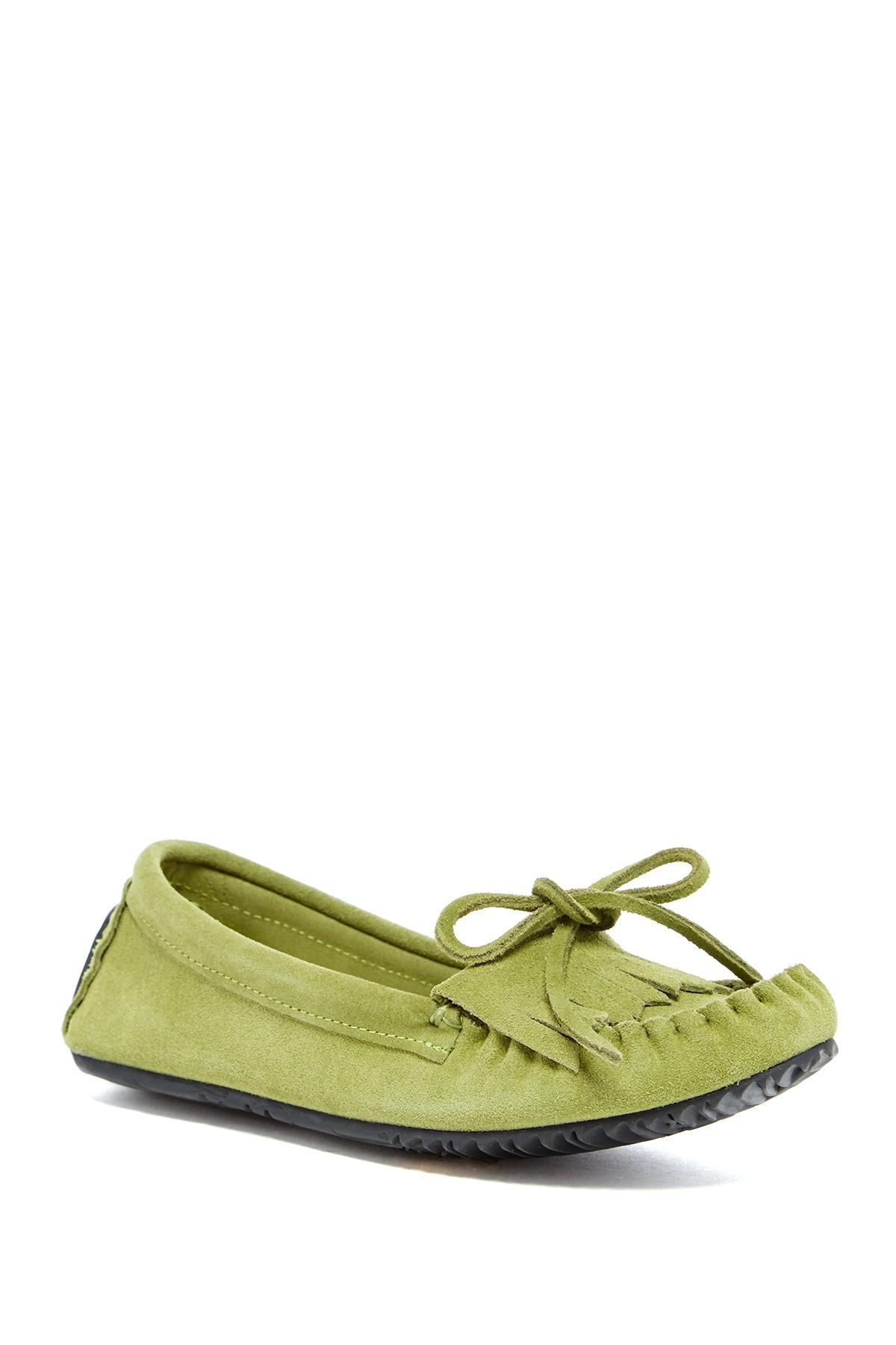 Lyst Manitobah Mukluks Sunshine Suede Moccasin In Green