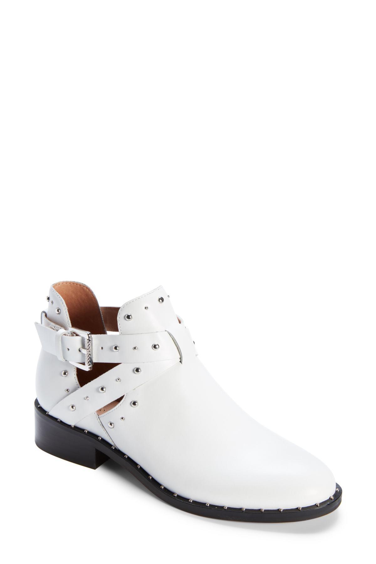 6d5fcc0cec5a Halogen (r) Hailey Bootie (women) in White - Lyst