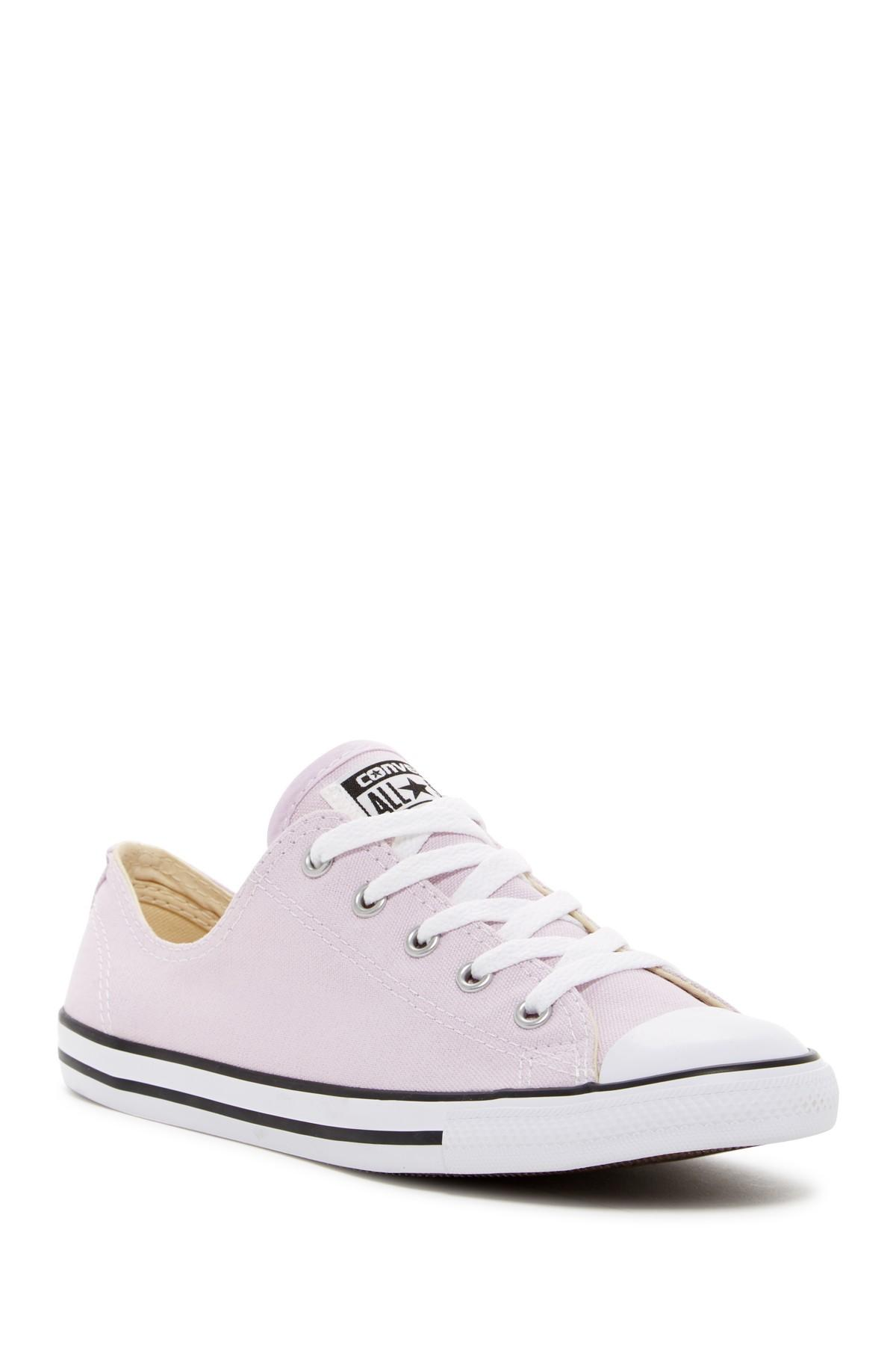 9f0b81fc233fa6 Gallery. Previously sold at  Nordstrom Rack · Women s Converse Chuck Taylor  ...