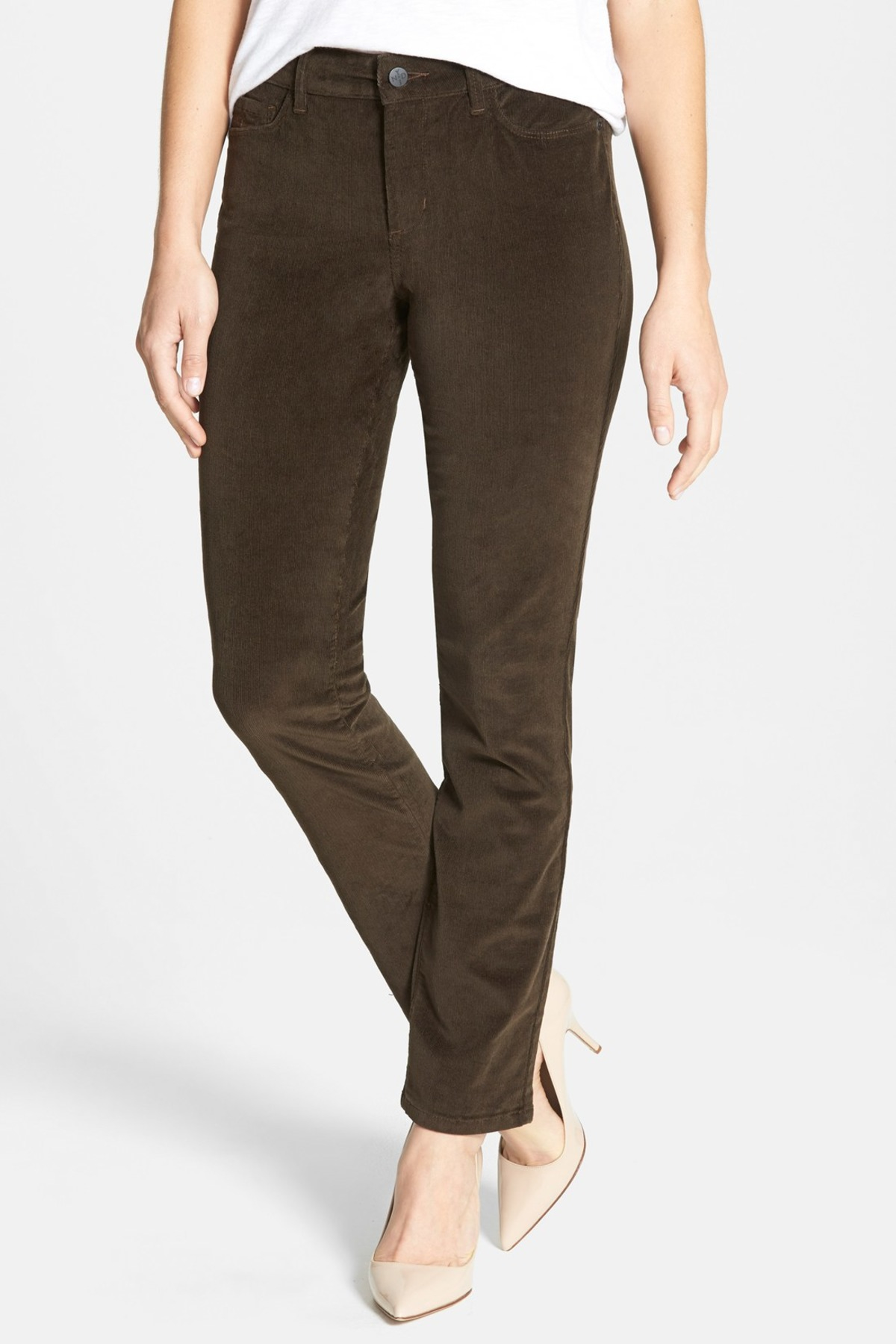 These corduroy pants for women feature curve-sculpting lines cut from sumptuously soft fabric that's infused with a touch of stretch. You'll enjoy how amazing the flattering fit feels as it comfortably moves with you throughout the day or night.