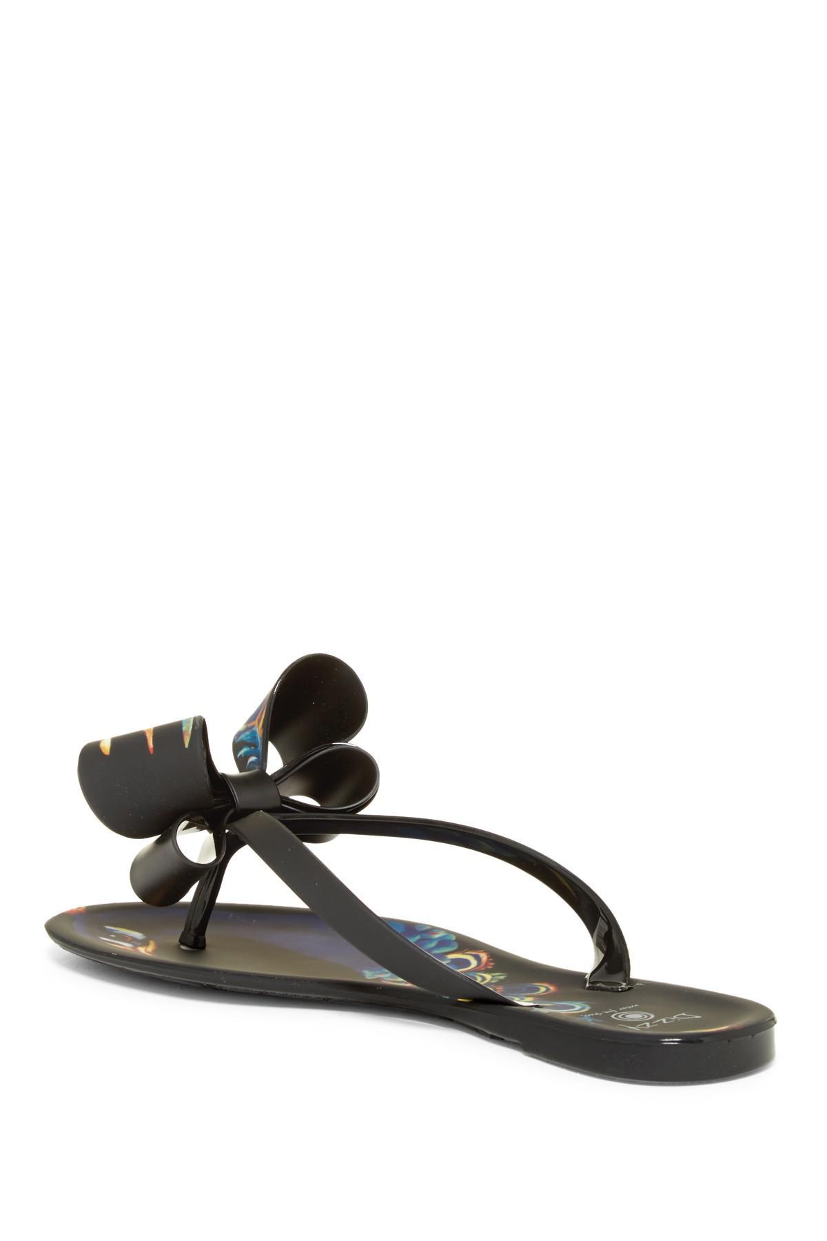 837564c4e Lyst - Dizzy Matte Peacock Bow Flip-flop in Black