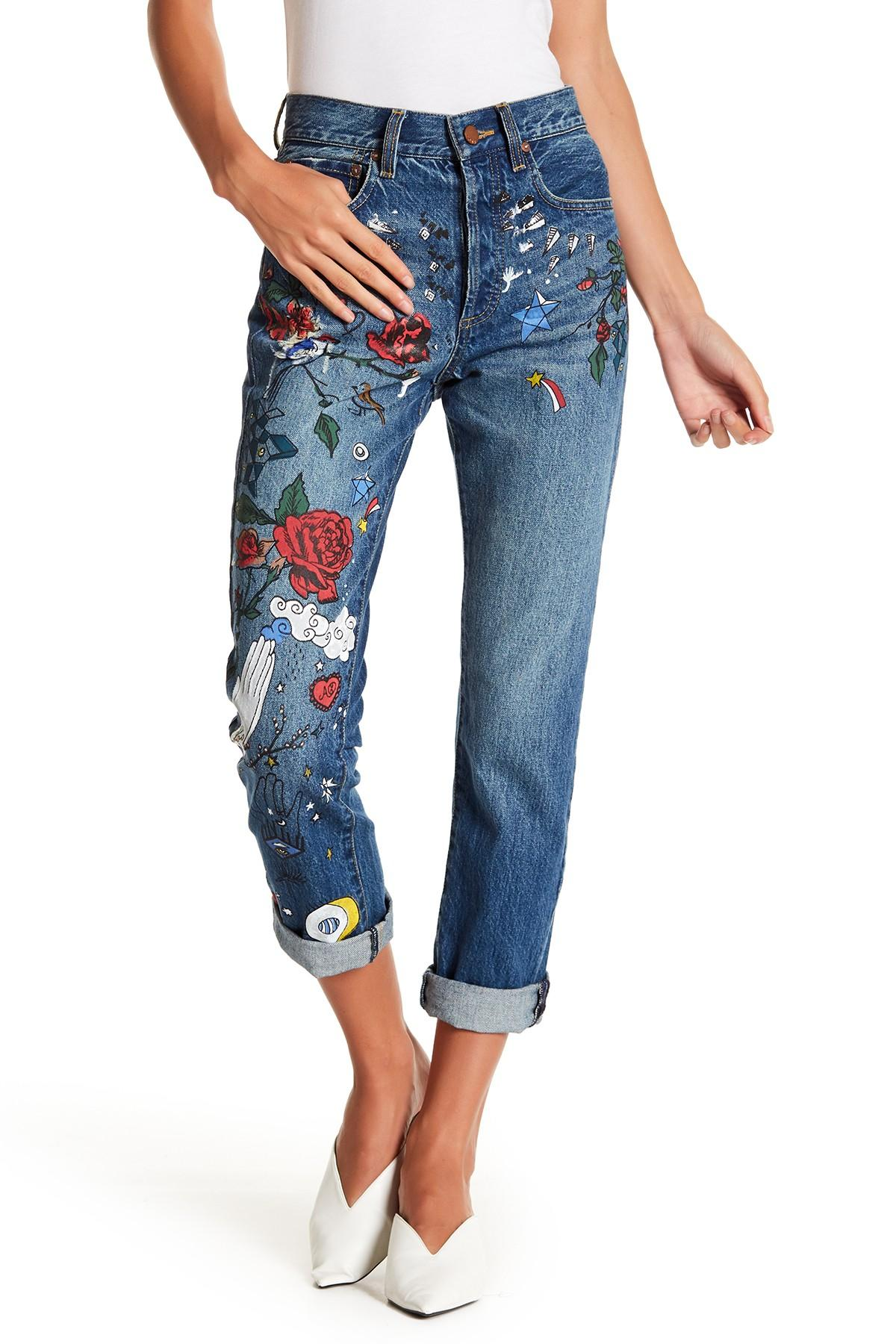e71fd81a1f4e36 Alice + Olivia Amazing High Rise Painted Girlfriend Jeans in Blue - Lyst