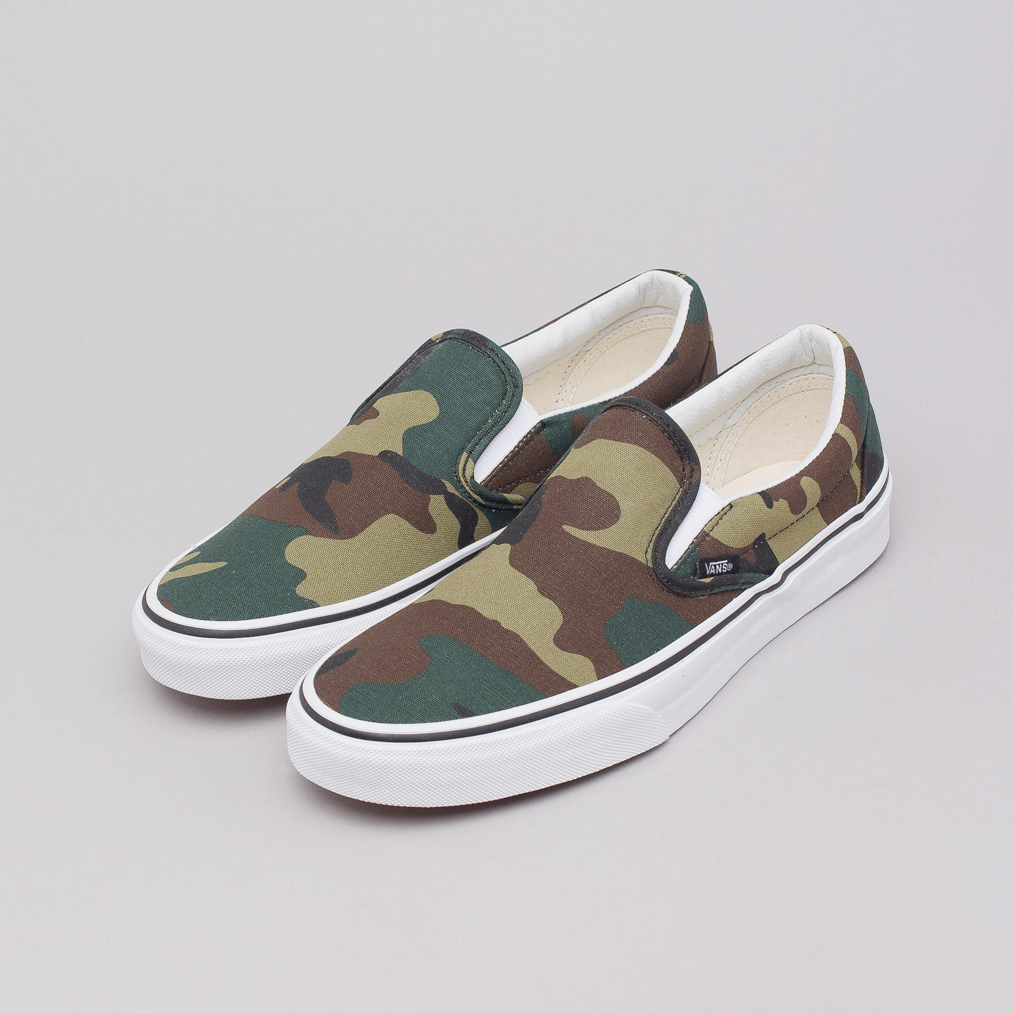 d9e898fc1cb804 Lyst - Vans Classic Slip-on In Woodland Camo for Men