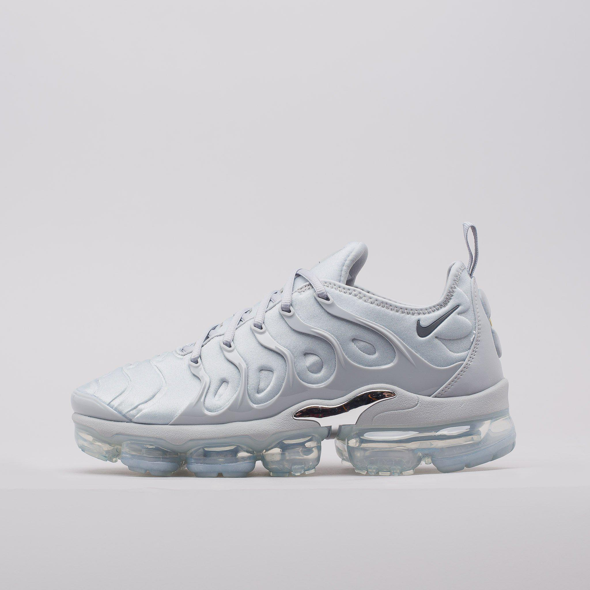 best service ea14d 8dc14 Lyst - Nike Air Vapormax Plus In Wolf Grey in Gray for Men