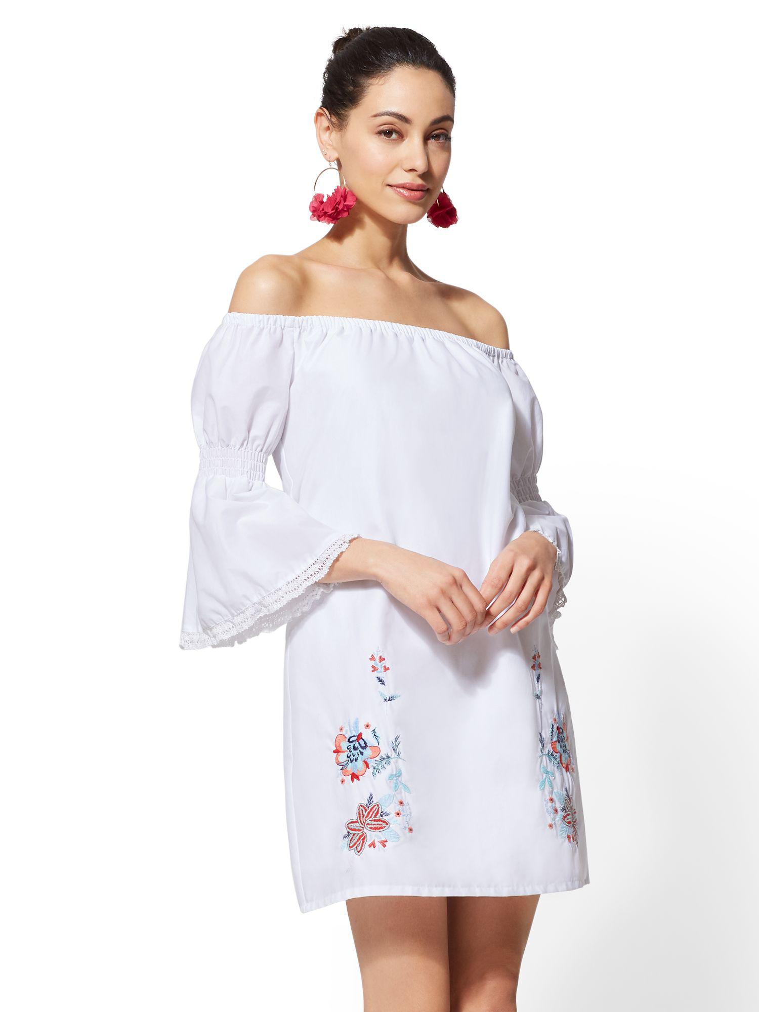 0adfc7ad0b4f Gallery. Previously sold at  New York   Company · Women s Off The Shoulder  Dresses ...