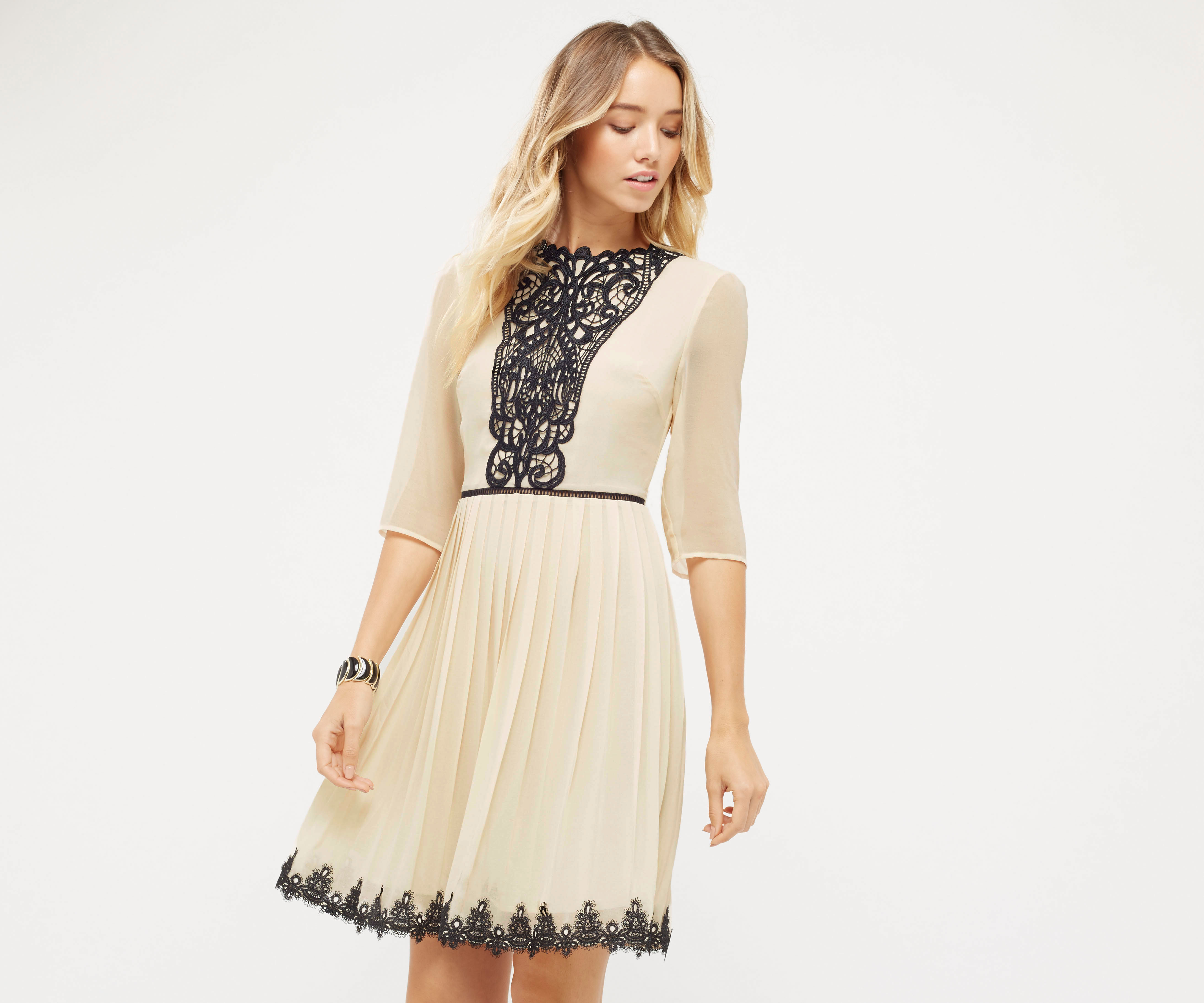 Pleated lace dress oasis
